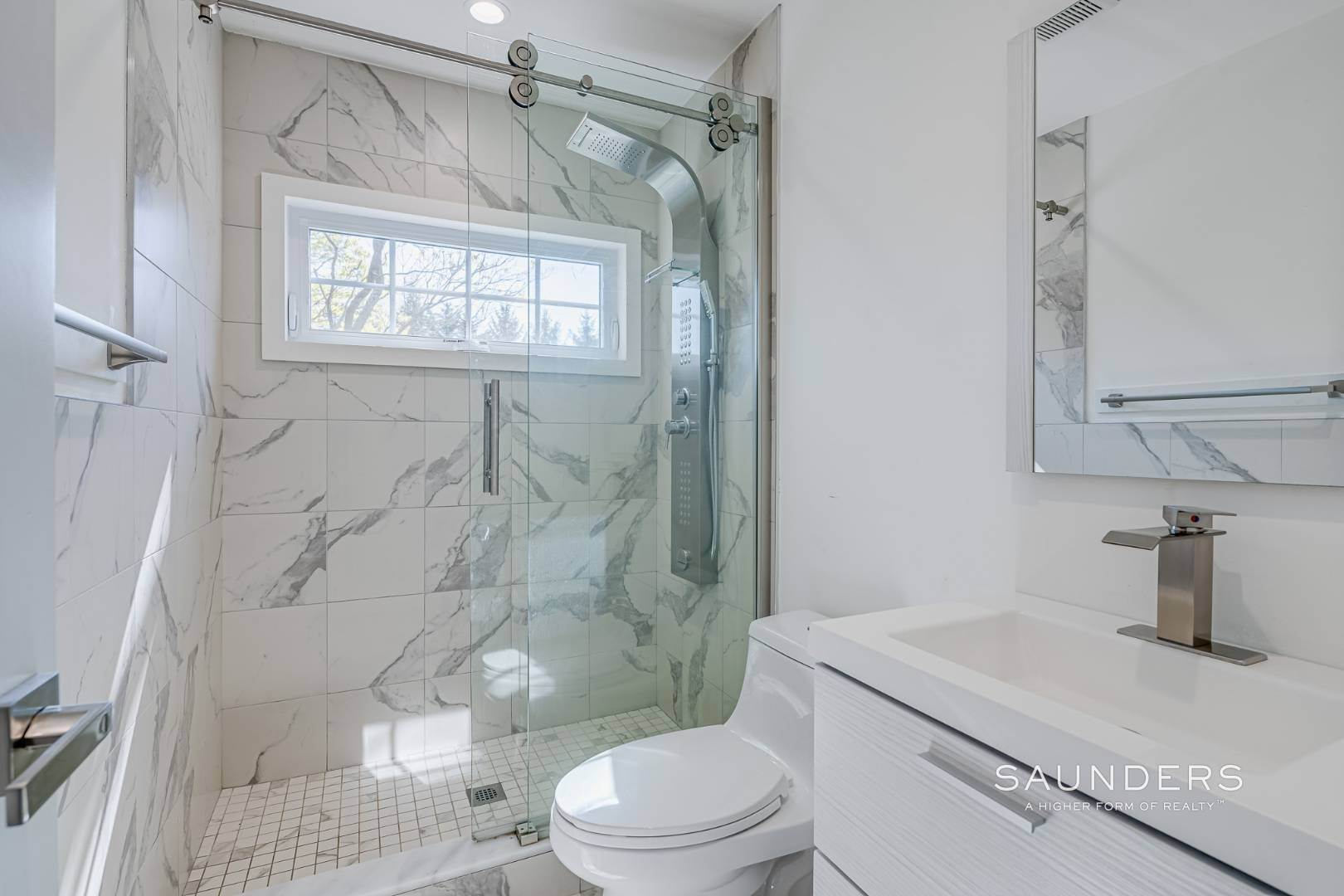 23. Single Family Homes for Sale at Southampton New Renovation Near Village With Heated Gunite Pool 9 West Neck Road, Southampton, Southampton Town, NY 11968