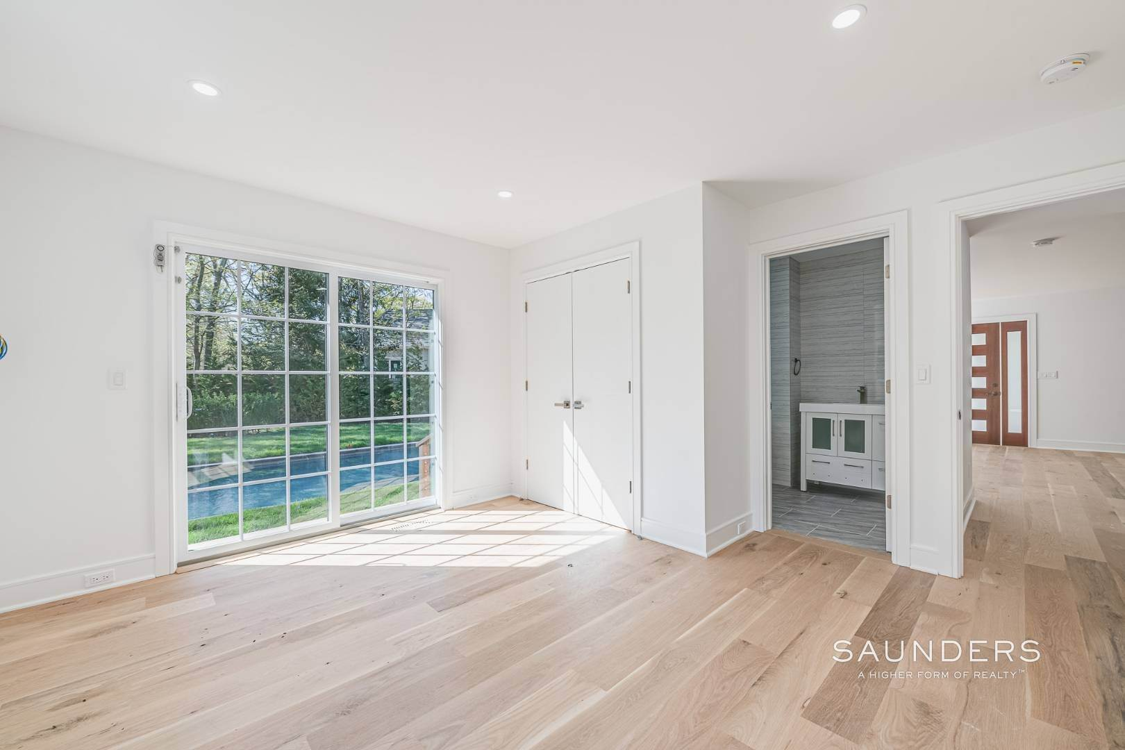 13. Single Family Homes for Sale at Southampton New Renovation Near Village With Heated Gunite Pool 9 West Neck Road, Southampton, Southampton Town, NY 11968