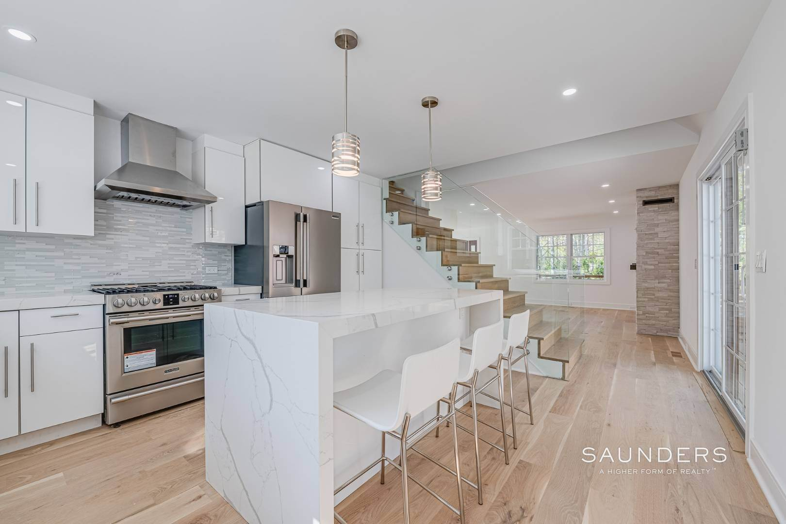 10. Single Family Homes for Sale at Southampton New Renovation Near Village With Heated Gunite Pool 9 West Neck Road, Southampton, Southampton Town, NY 11968