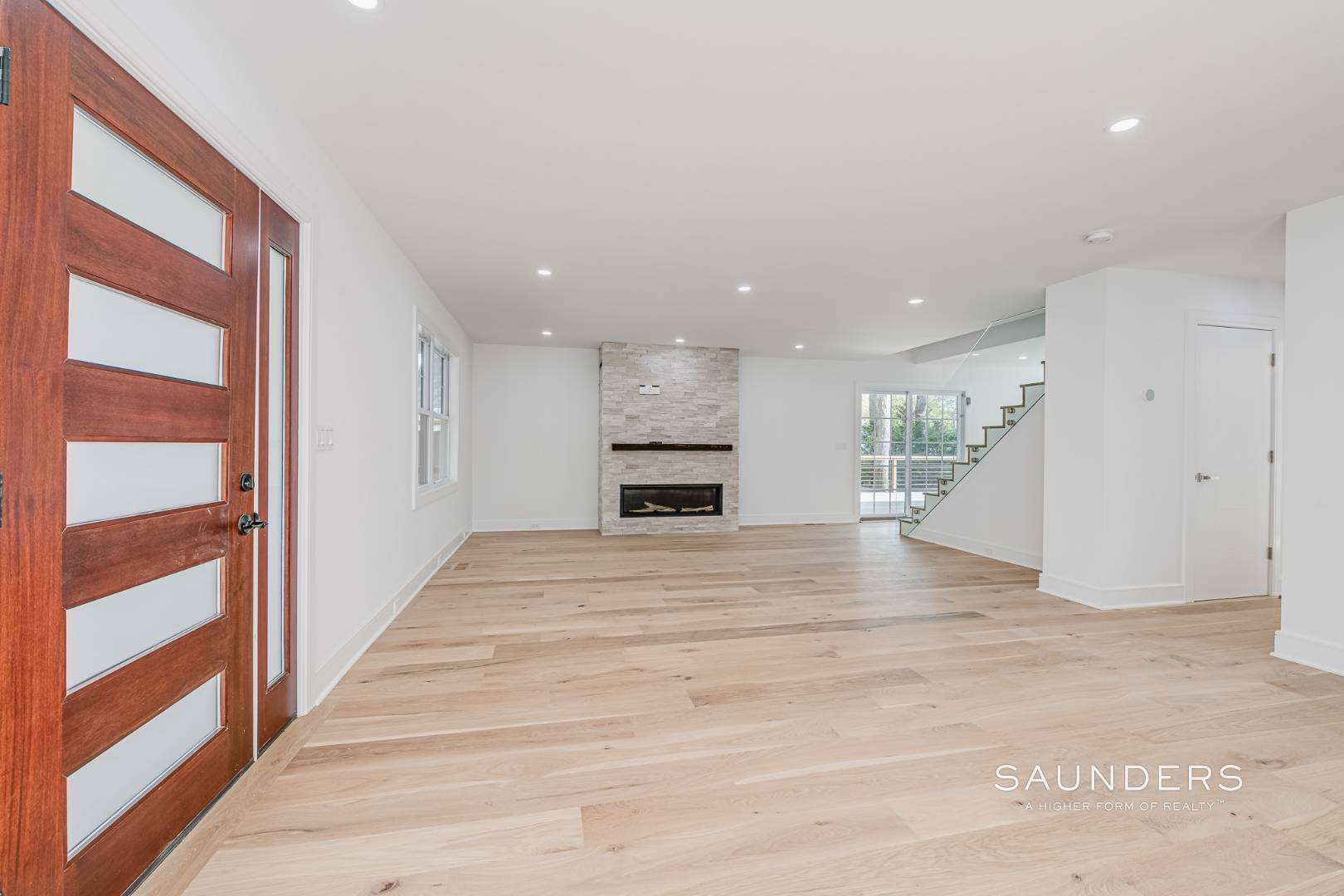 7. Single Family Homes for Sale at Southampton New Renovation Near Village With Heated Gunite Pool 9 West Neck Road, Southampton, Southampton Town, NY 11968