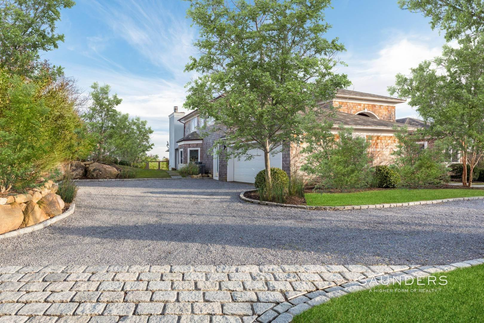 2. Single Family Homes for Sale at Turnkey Masterpiece On The Montauk Golf Course - 5,000+sqft 38 Fairlawn Dr, Montauk, East Hampton Town, NY 11954