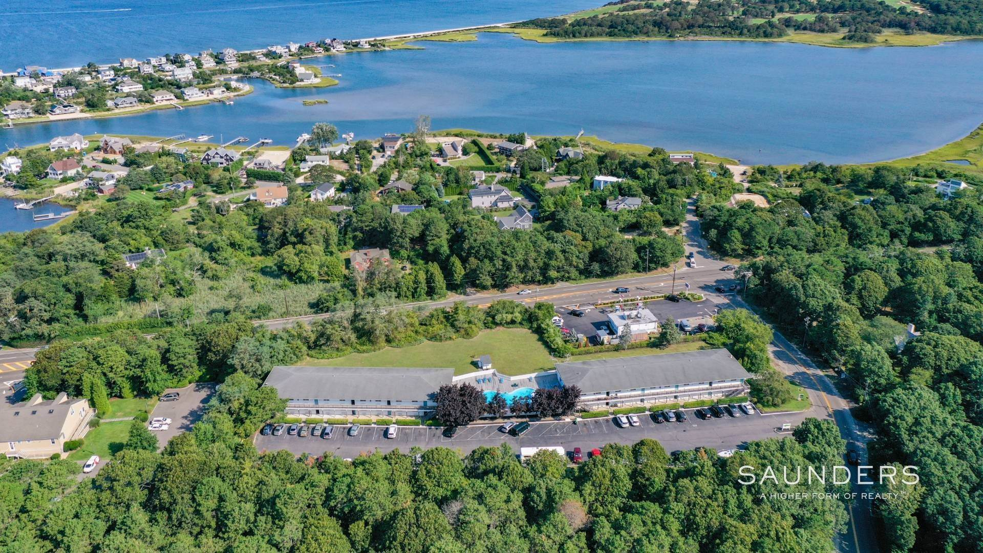 27. Commercial for Sale at Just Listed! Southampton Hotel 161 Hills Station Road, Southampton, Southampton Town, NY 11968