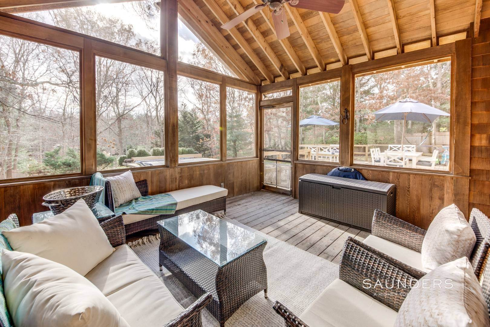18. Single Family Homes for Sale at Updated Village Fringe Charmer 52 Barnes Avenue, East Hampton, East Hampton Town, NY 11937