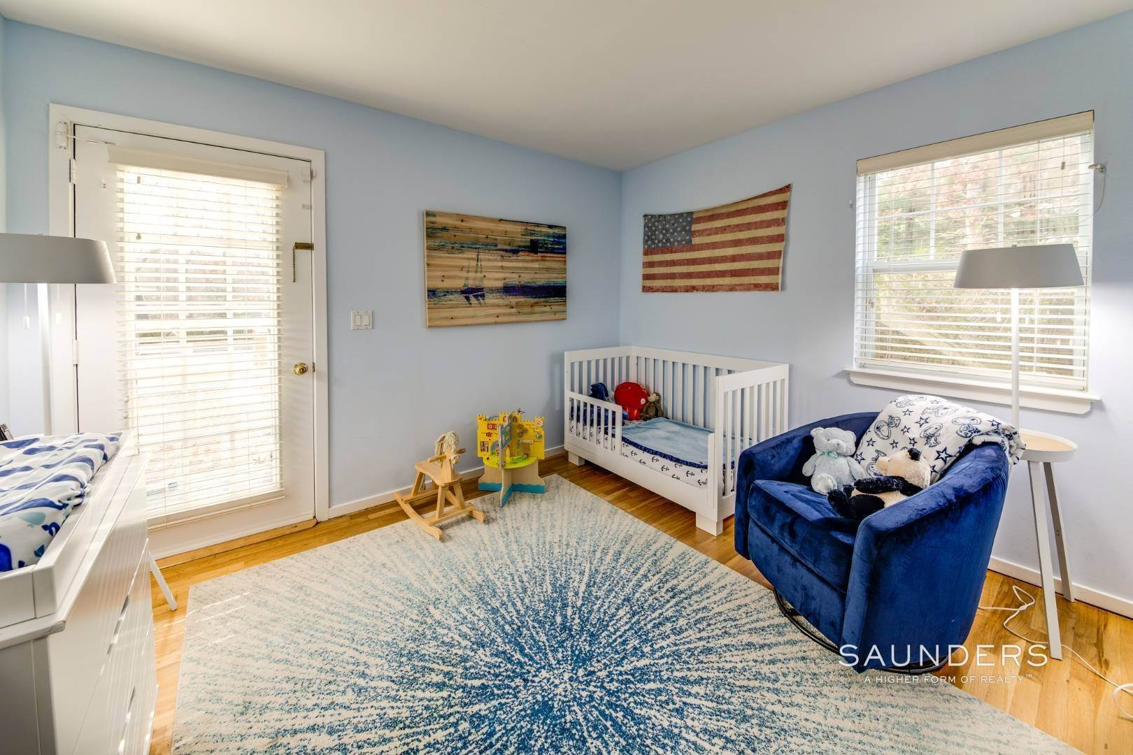 21. Single Family Homes for Sale at Updated Village Fringe Charmer 52 Barnes Avenue, East Hampton, East Hampton Town, NY 11937