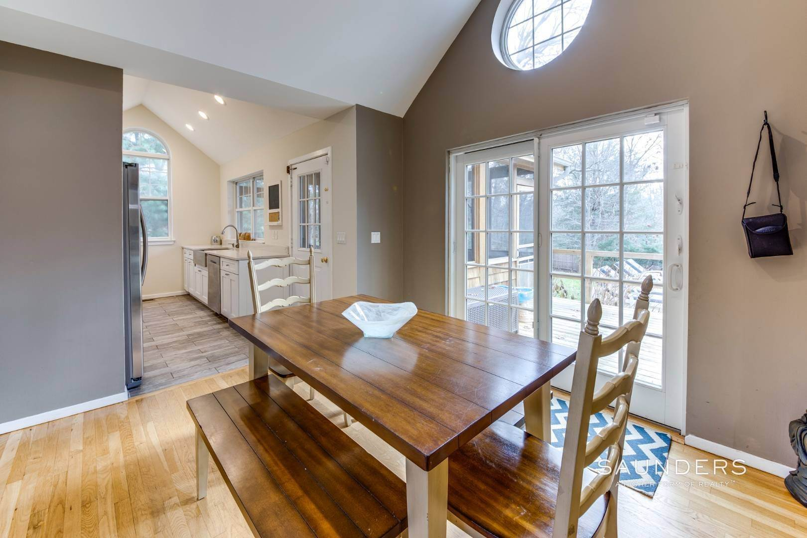 16. Single Family Homes for Sale at Updated Village Fringe Charmer 52 Barnes Avenue, East Hampton, East Hampton Town, NY 11937