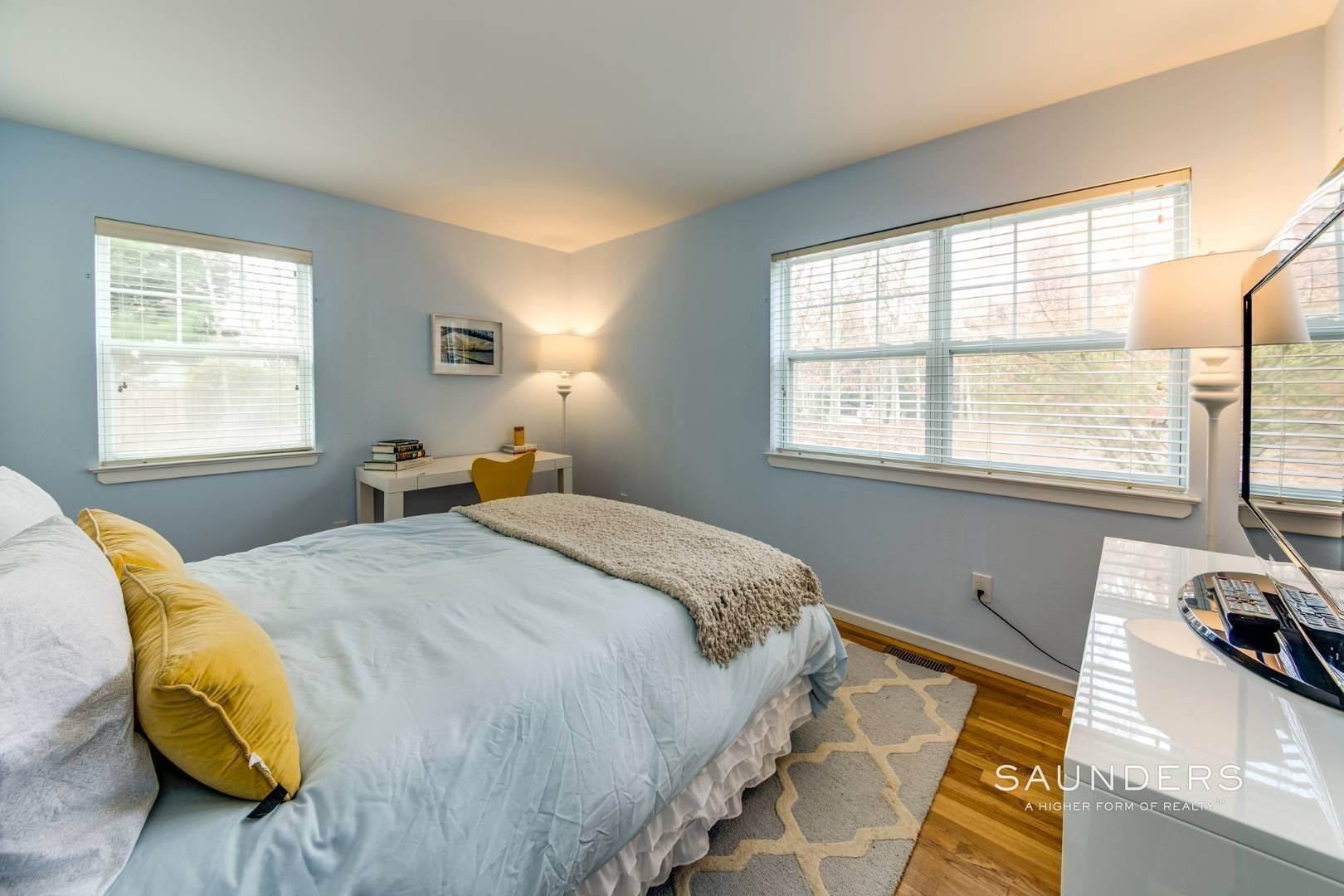 22. Single Family Homes for Sale at Updated Village Fringe Charmer 52 Barnes Avenue, East Hampton, East Hampton Town, NY 11937