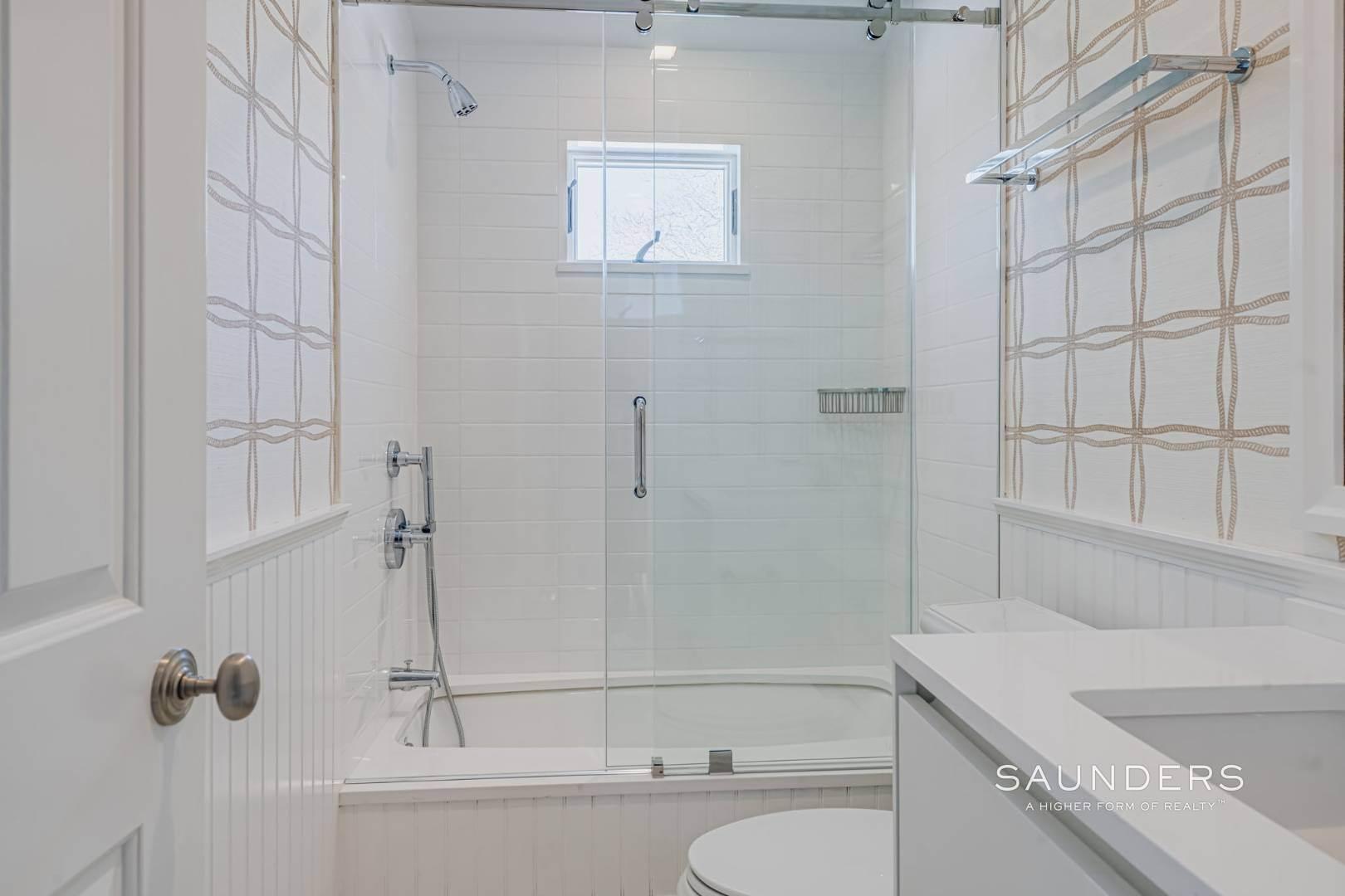 24. Single Family Homes at Completely Renovated In Bridgehampton With Pool And Tennis 46 Norris Lane, Bridgehampton, Southampton Town, NY 11932