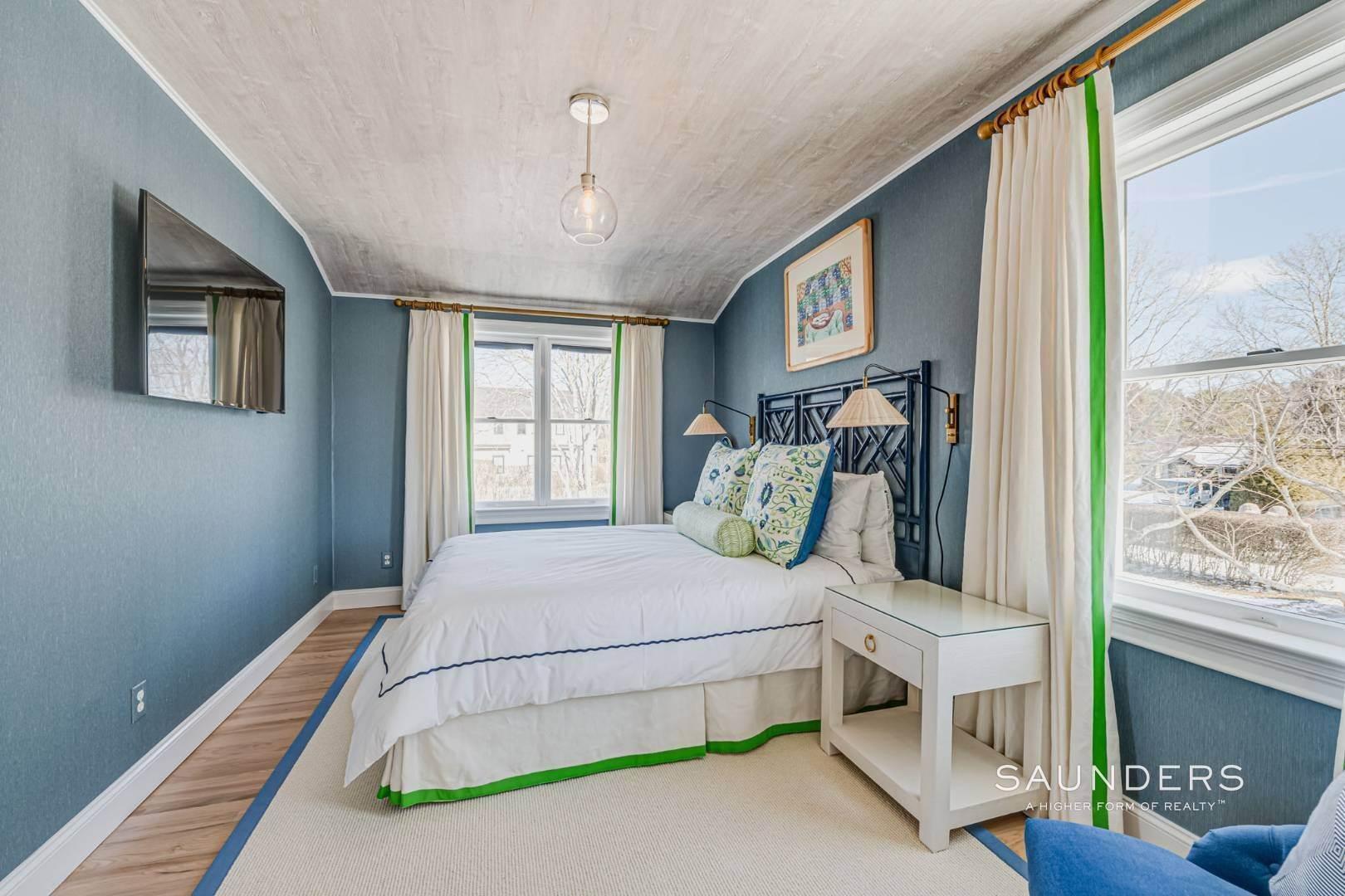 23. Single Family Homes at Completely Renovated In Bridgehampton With Pool And Tennis 46 Norris Lane, Bridgehampton, Southampton Town, NY 11932