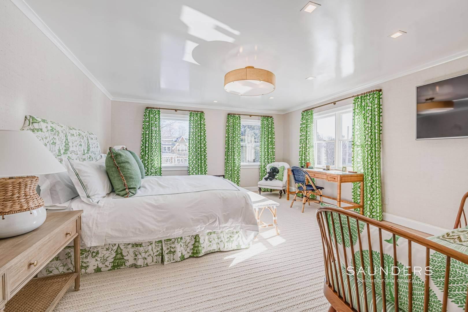 16. Single Family Homes at Completely Renovated In Bridgehampton With Pool And Tennis 46 Norris Lane, Bridgehampton, Southampton Town, NY 11932