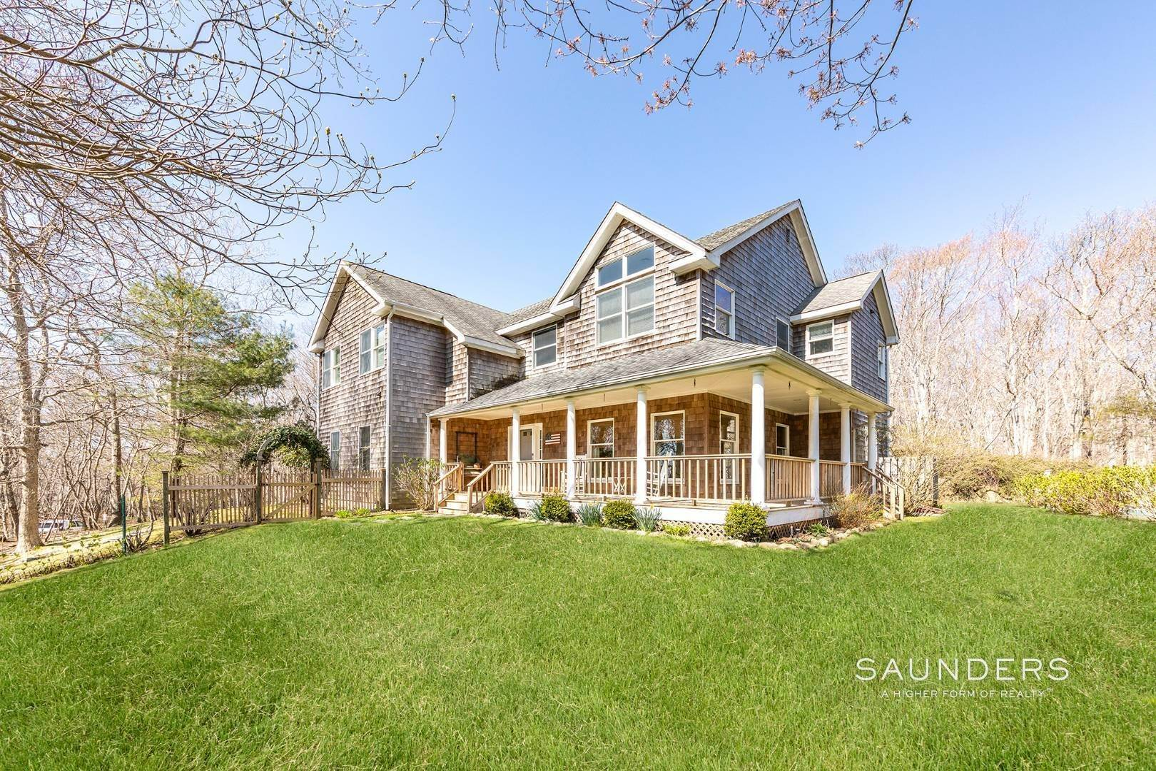 Single Family Homes for Sale at Montauk Turnkey With Pool 24 Dogwood Street, Montauk, East Hampton Town, NY 11954