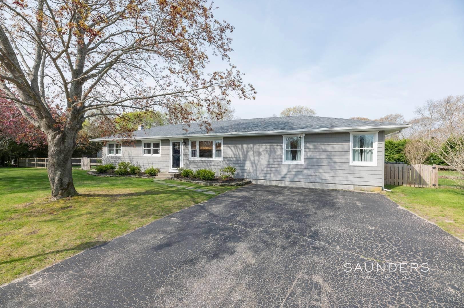 18. Single Family Homes at Sag Harbor Village Getaway Sag Harbor, Southampton Town, NY 11963