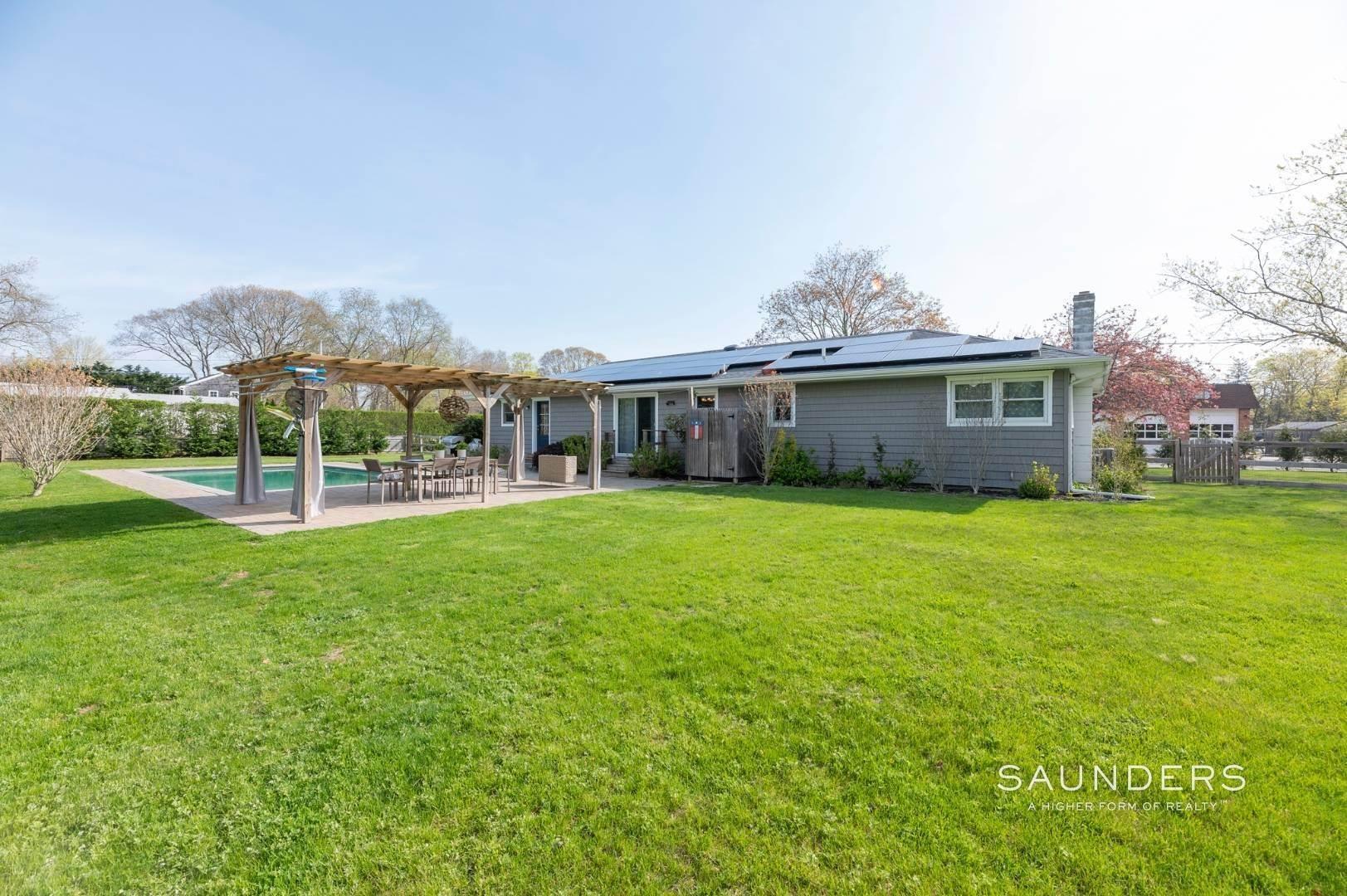 4. Single Family Homes at Sag Harbor Village Getaway Sag Harbor, Southampton Town, NY 11963