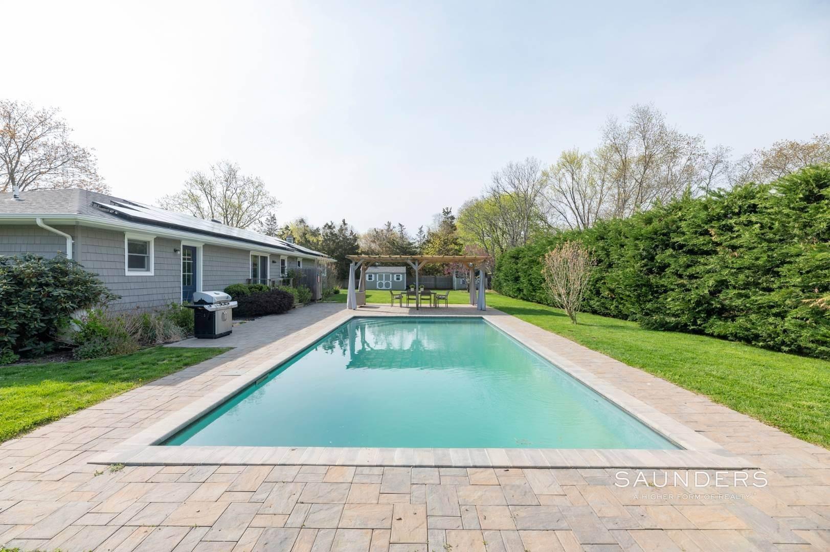 2. Single Family Homes at Sag Harbor Village Getaway Sag Harbor, Southampton Town, NY 11963
