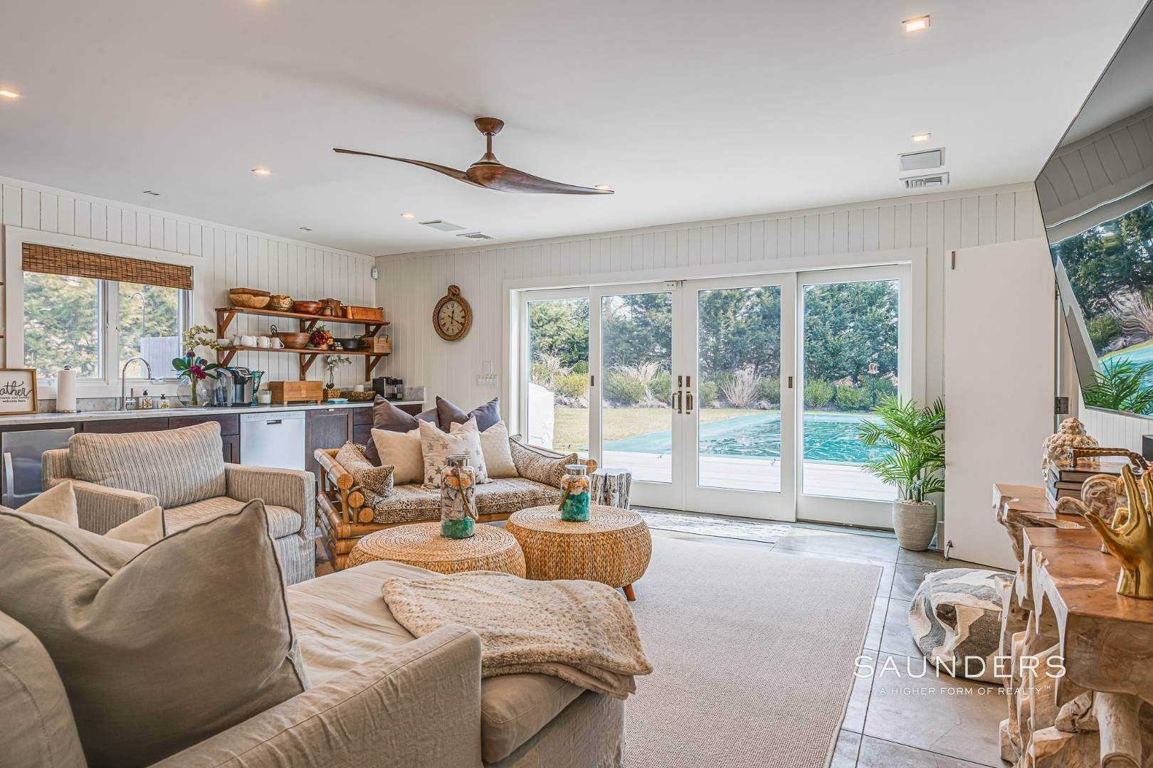 30. Single Family Homes for Sale at Serenity East Awaits 325 Tuckahoe Road, Southampton, Southampton Town, NY 11968