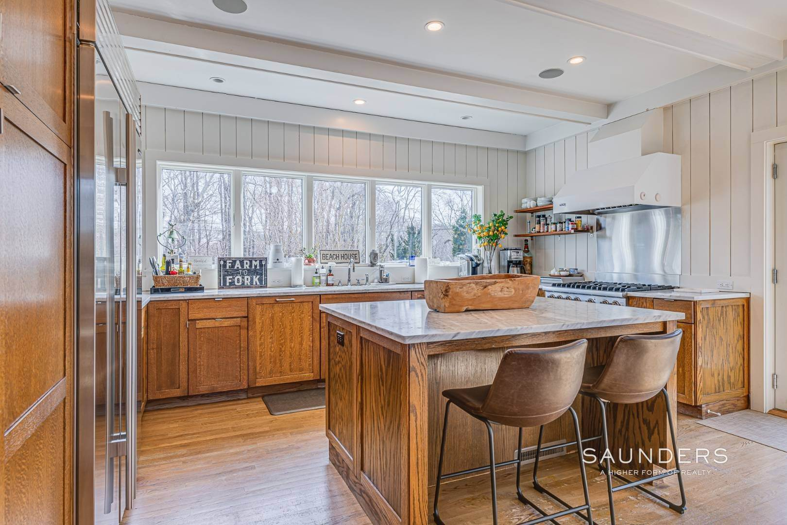 7. Single Family Homes for Sale at Serenity East Awaits 325 Tuckahoe Road, Southampton, Southampton Town, NY 11968