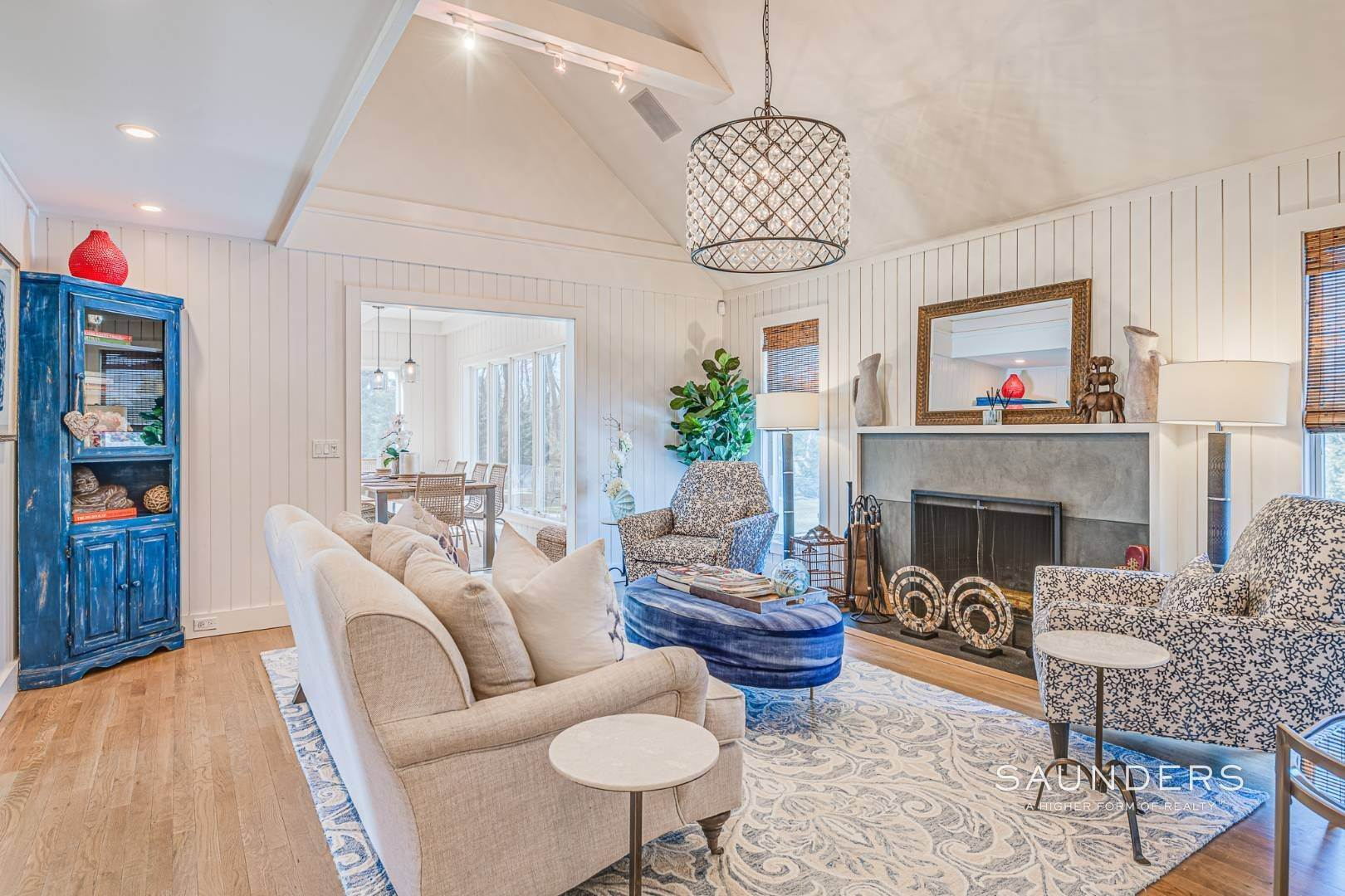 4. Single Family Homes for Sale at Serenity East Awaits 325 Tuckahoe Road, Southampton, Southampton Town, NY 11968