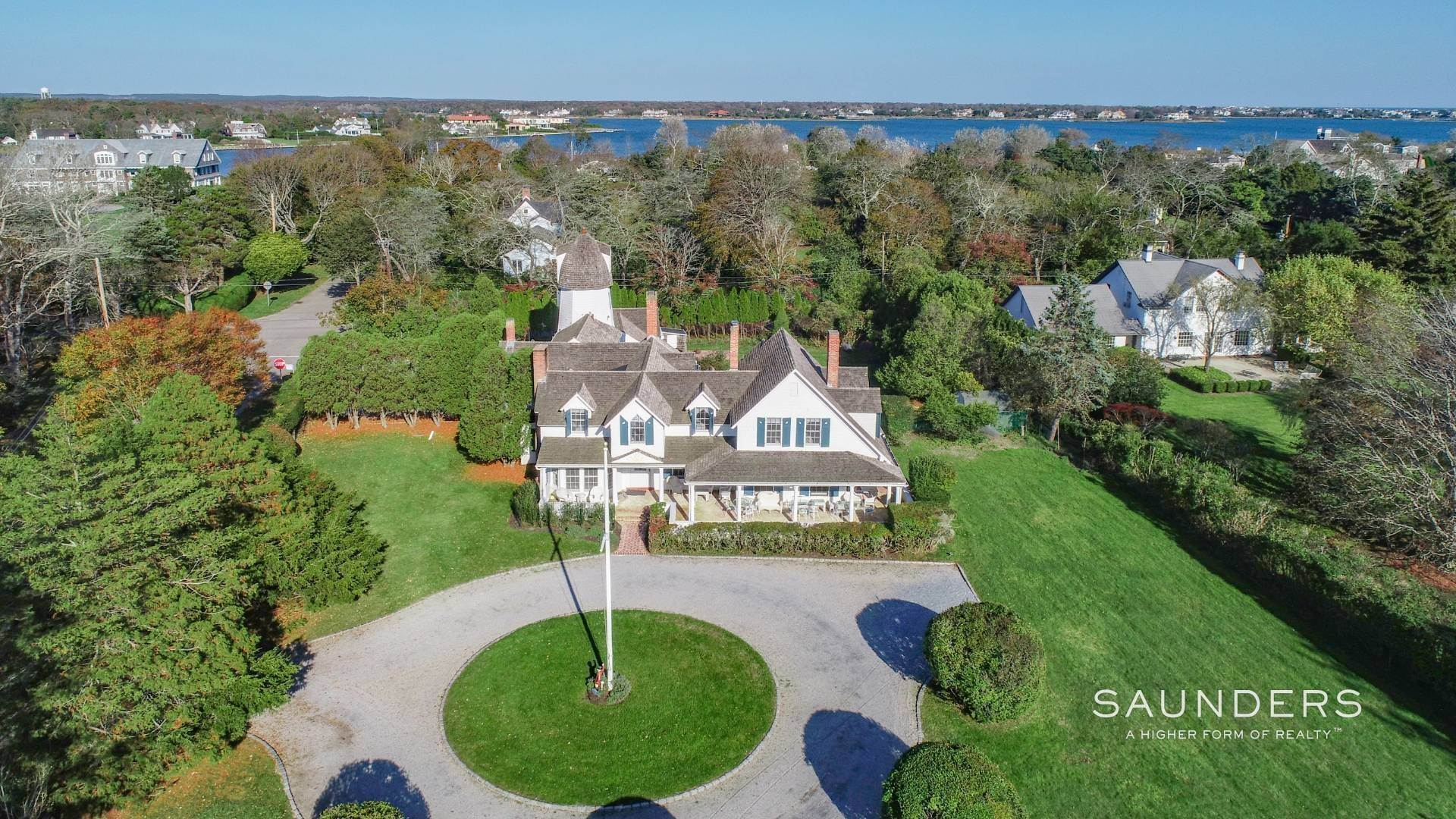 3. Single Family Homes at Westhampton Village Grand Dame With Pool, Tennis & Pool House 15 Sunswyck Lane, Westhampton Beach Village, Southampton Town, NY 11978
