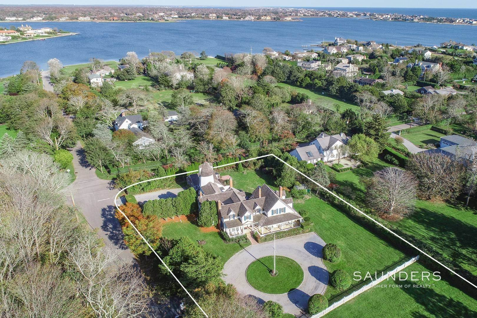 2. Single Family Homes at Westhampton Village Grand Dame With Pool, Tennis & Pool House 15 Sunswyck Lane, Westhampton Beach Village, Southampton Town, NY 11978