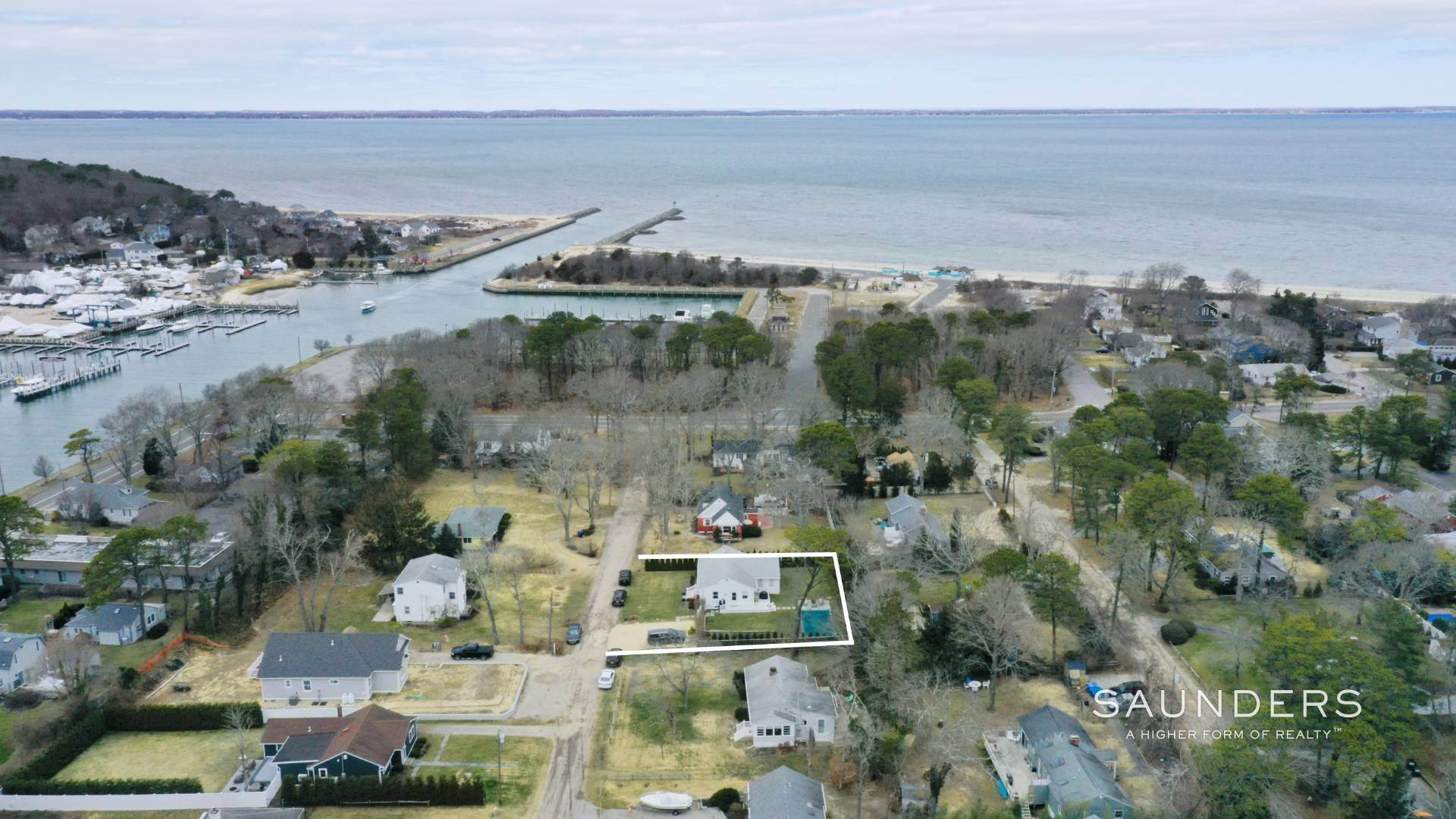 Single Family Homes for Sale at Chic Designer Cottage, Heated Pool, Near Bay, East Of Canal 9 Elizabeth Avenue, Hampton Bays, Southampton Town, NY 11946
