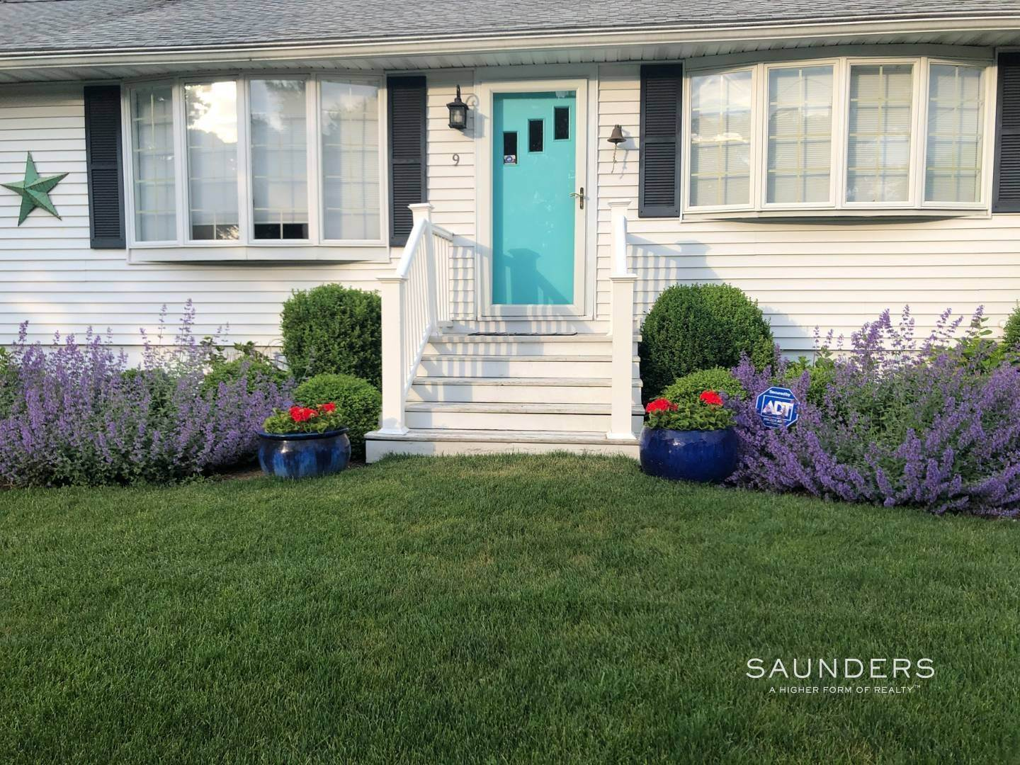 15. Single Family Homes for Sale at Chic Designer Cottage, Heated Pool, Near Bay, East Of Canal 9 Elizabeth Avenue, Hampton Bays, Southampton Town, NY 11946