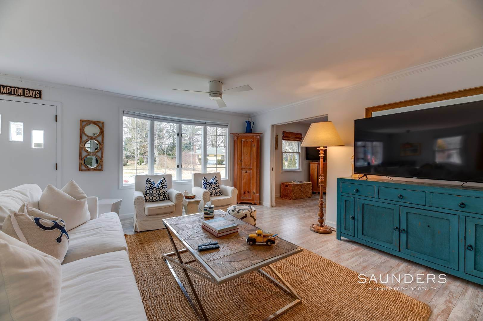 6. Single Family Homes for Sale at Chic Designer Cottage, Heated Pool, Near Bay, East Of Canal 9 Elizabeth Avenue, Hampton Bays, Southampton Town, NY 11946