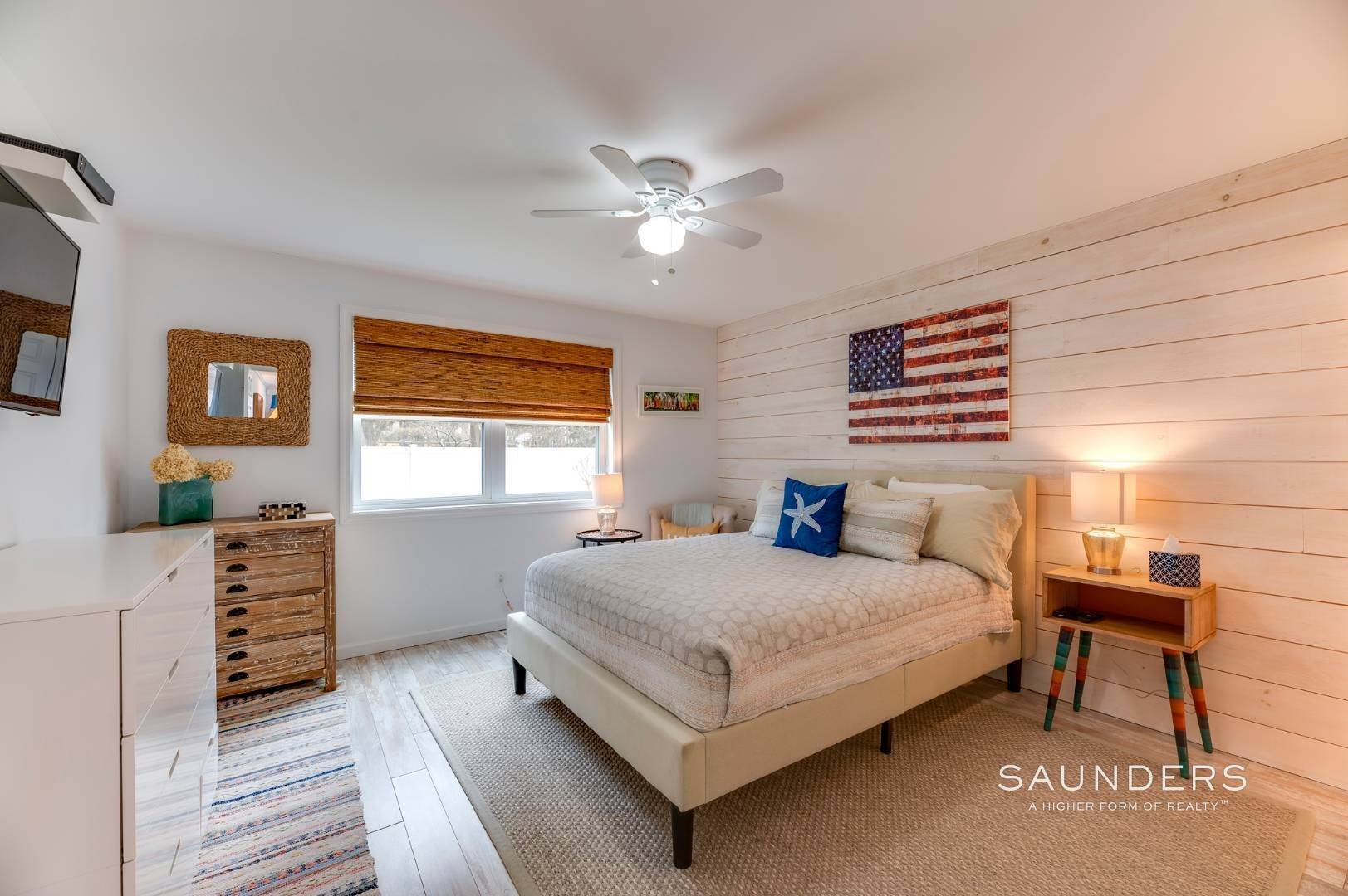12. Single Family Homes for Sale at Chic Designer Cottage, Heated Pool, Near Bay, East Of Canal 9 Elizabeth Avenue, Hampton Bays, Southampton Town, NY 11946