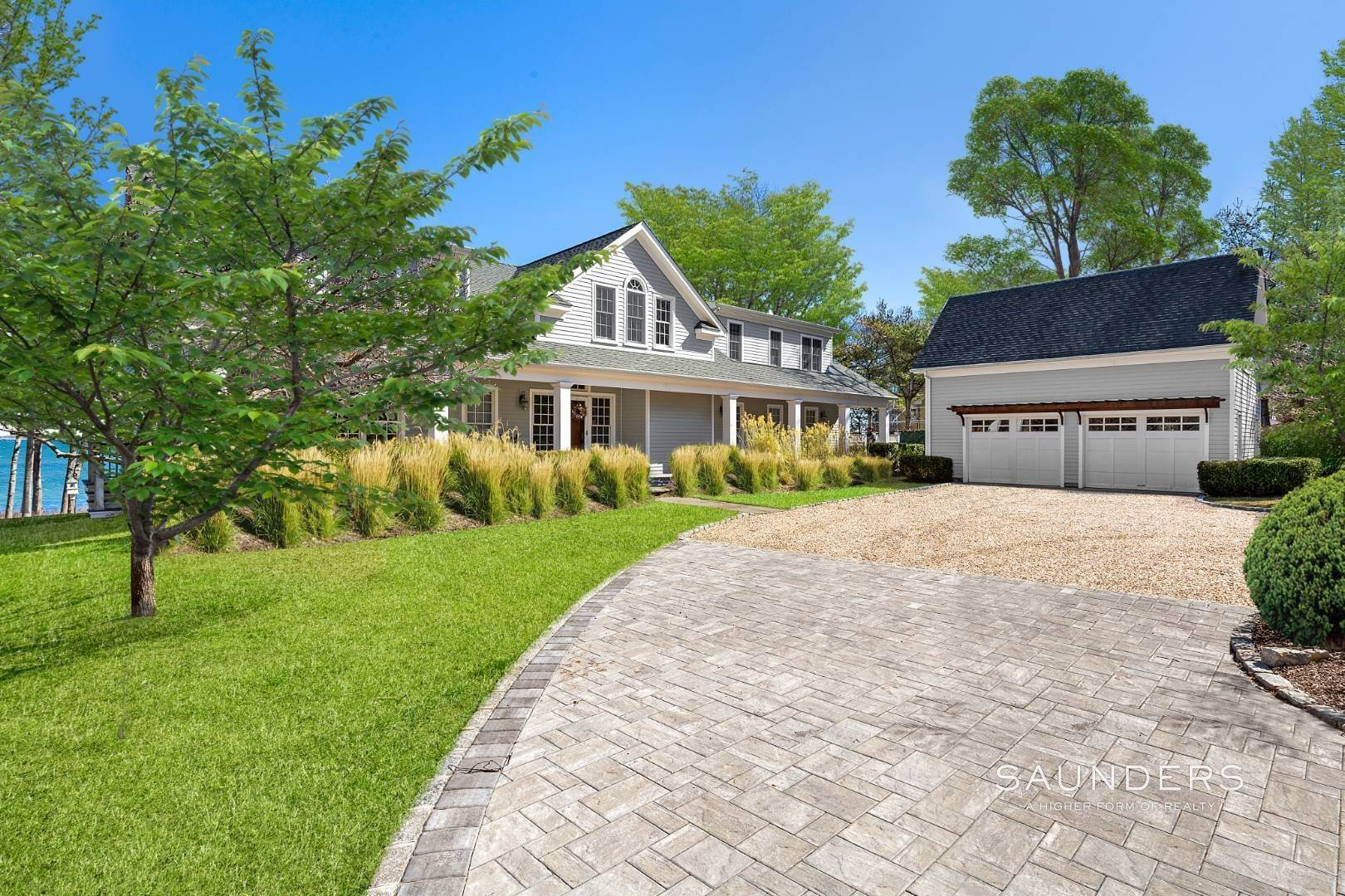 6. Single Family Homes for Sale at Shelter Island Gardiners Bay Beach House With Pool 72 Gardiners Bay Drive, Shelter Island Heights, Shelter Island, NY 11964