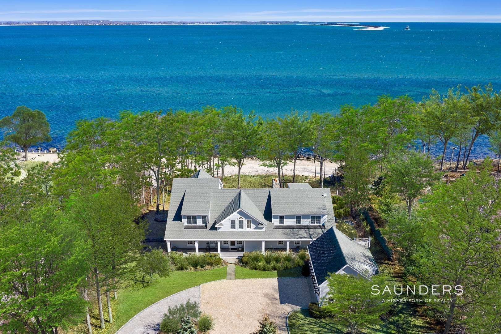 2. Single Family Homes for Sale at Shelter Island Gardiners Bay Beach House With Pool 72 Gardiners Bay Drive, Shelter Island Heights, Shelter Island, NY 11964