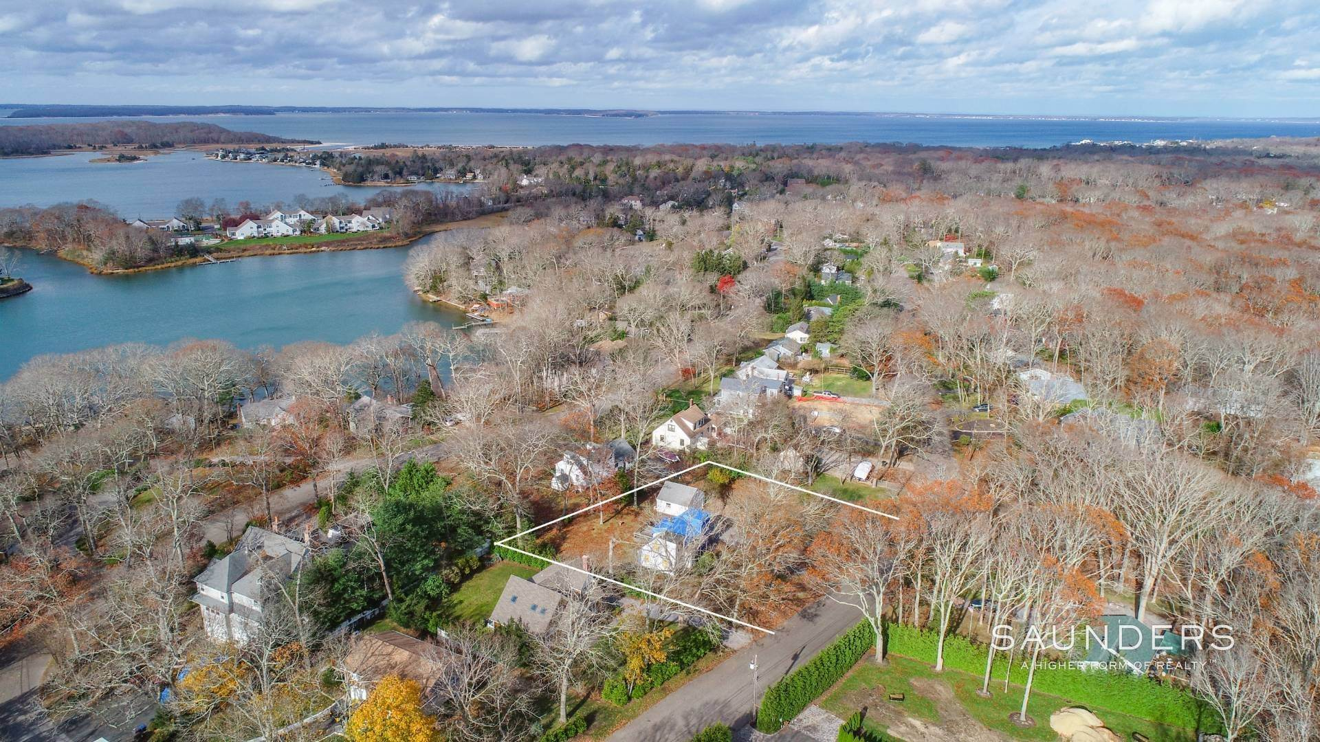 Land for Sale at Builders Opportunity 75 Knoll Road, Southampton, Southampton Town, NY 11968