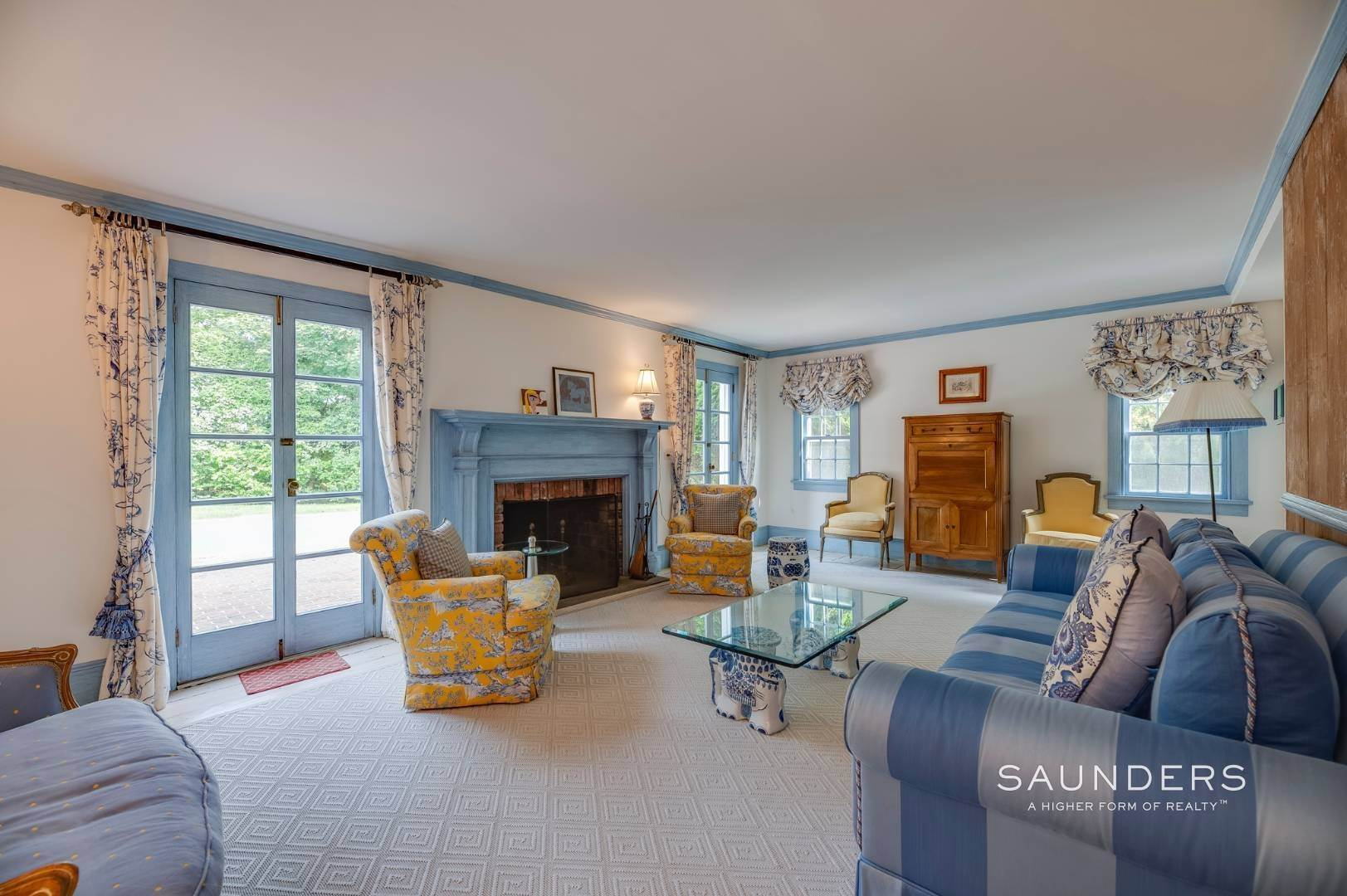 6. Single Family Homes for Sale at Classic Farmhouse In Southampton Village 519 Hill Street, Southampton, Southampton Town, NY 11968