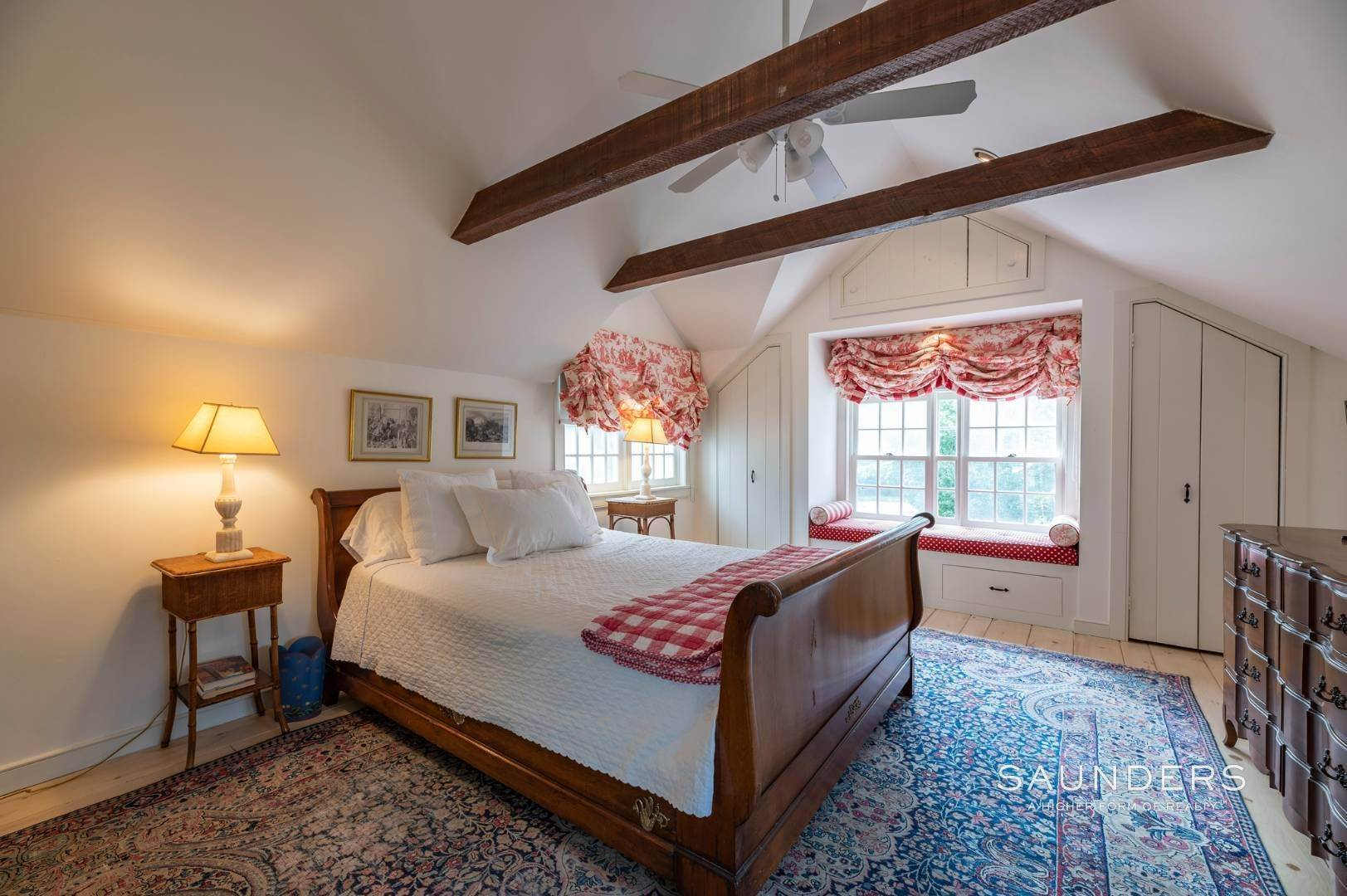 13. Single Family Homes for Sale at Classic Farmhouse In Southampton Village 519 Hill Street, Southampton, Southampton Town, NY 11968