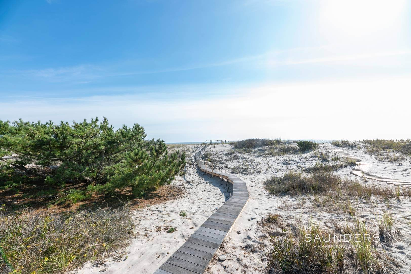 21. Single Family Homes at Relaxing Oceanfront Retreat Available Winter Or Summer Rental! 449 Dune Road, Westhampton Beach Village, Southampton Town, NY 11978