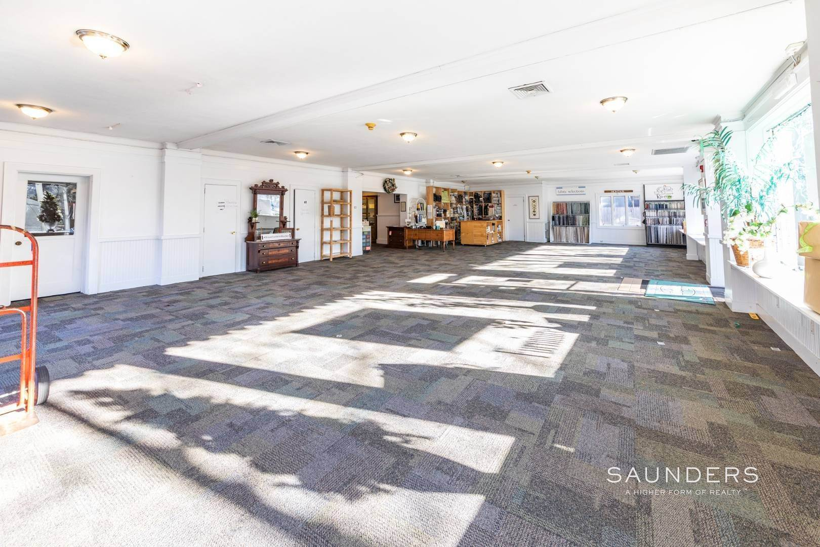 11. Commercial for Sale at East Hampton Village - Commercial Opportunity 109 Pantigo Road, East Hampton, East Hampton Town, NY 11937