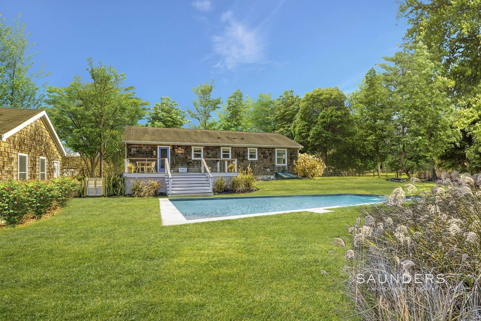 Single Family Homes for Sale at Shelter Island Decorator Showcase With Pool 5 Peppermill Lane, Shelter Island, NY 11964