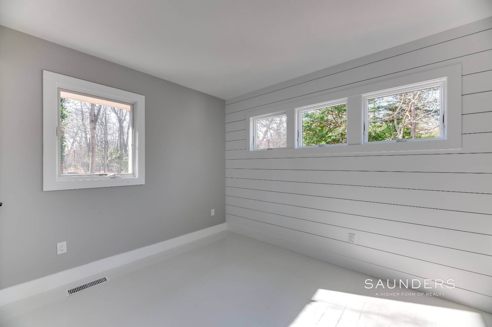 14. Single Family Homes for Sale at Modern Beach Bungalow In Clearwater Beach 49 Sherwood Lane, East Hampton, East Hampton Town, NY 11937
