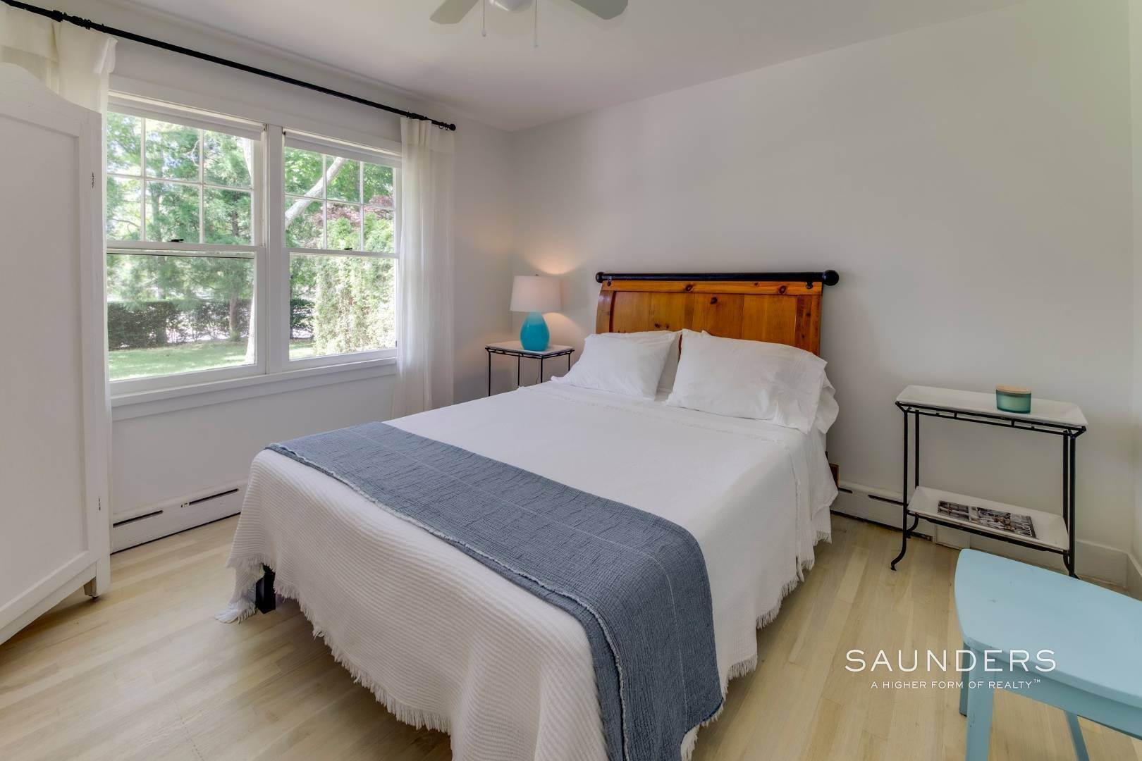 12. Single Family Homes for Sale at South Of Highway - Turnkey Charmer 136 Cove Hollow Road, East Hampton, East Hampton Town, NY 11937