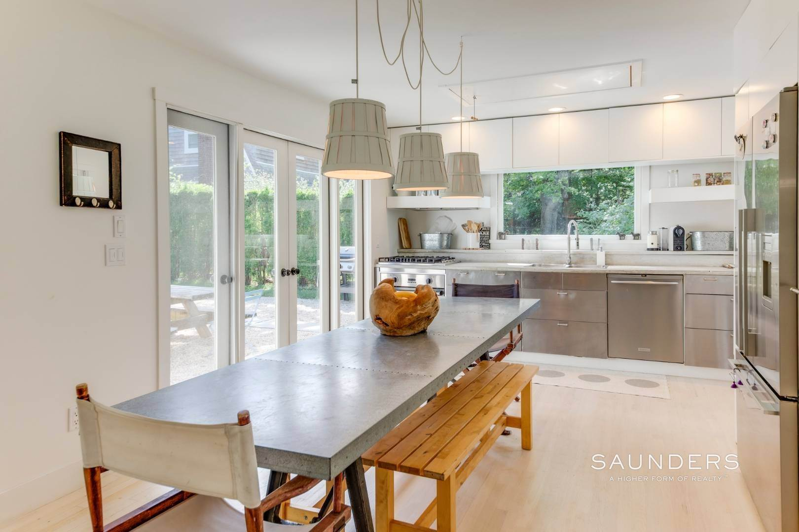 7. Single Family Homes for Sale at South Of Highway - Turnkey Charmer 136 Cove Hollow Road, East Hampton, East Hampton Town, NY 11937