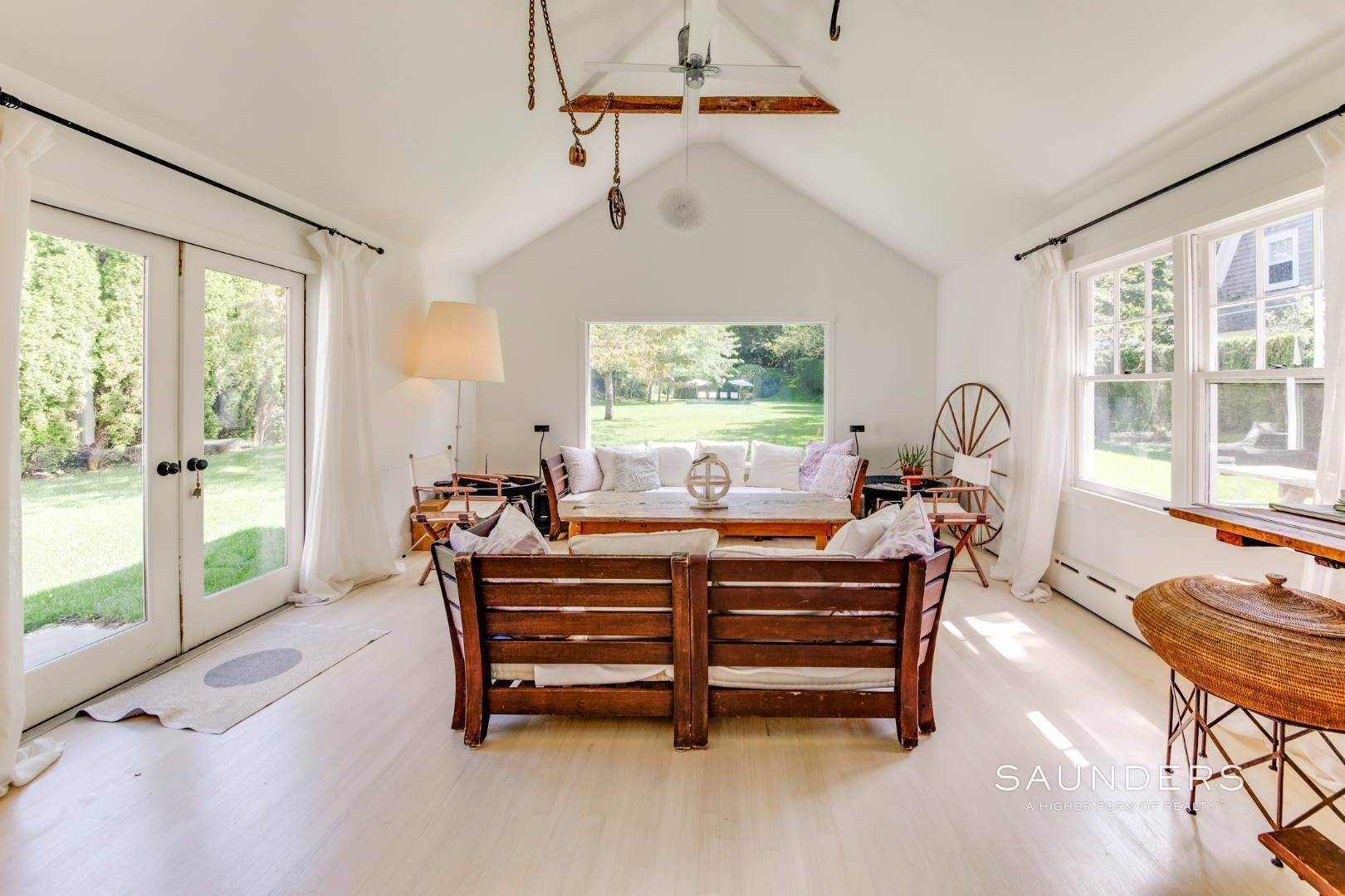 Single Family Homes for Sale at South Of Highway - Turnkey Charmer 136 Cove Hollow Road, East Hampton, East Hampton Town, NY 11937