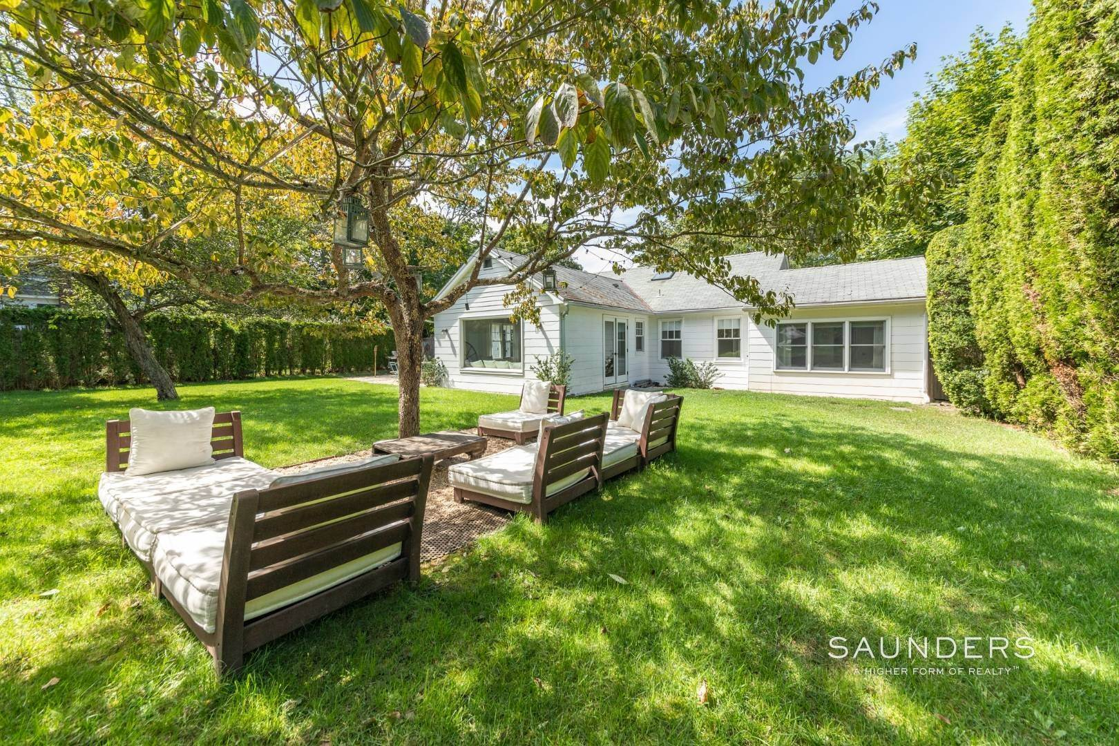 2. Single Family Homes for Sale at South Of Highway - Turnkey Charmer 136 Cove Hollow Road, East Hampton, East Hampton Town, NY 11937
