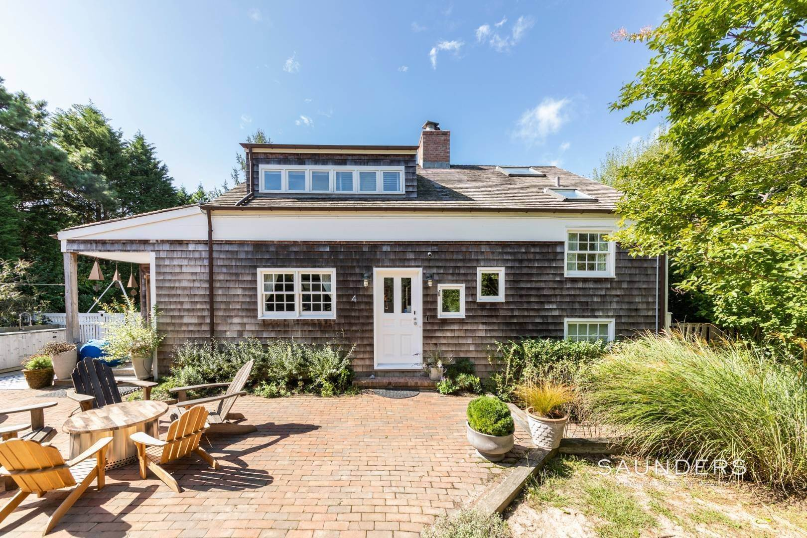 1. Single Family Homes at Stylish Scheffer Cottage In The Dunes 4 Wyandanch Lane, Amagansett, East Hampton Town, NY 11930