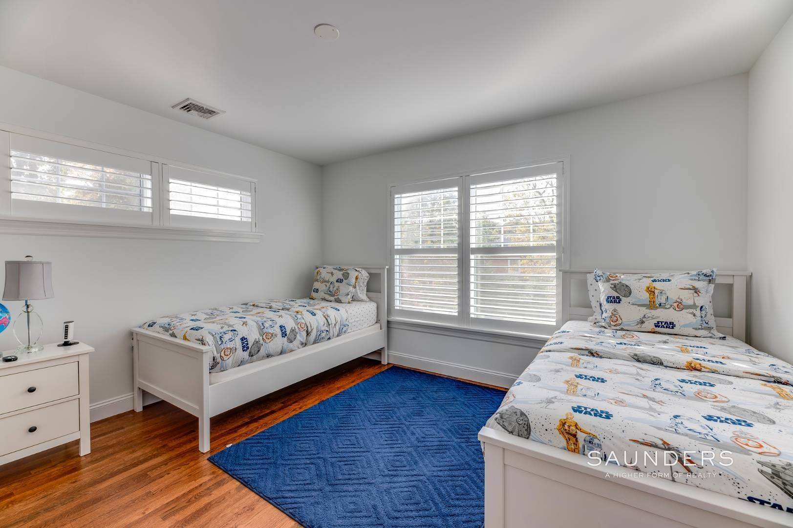 20. Single Family Homes for Sale at Near The Village And Beaches Of Southampton 64 Sandy Hollow Road, Southampton, Southampton Town, NY 11968