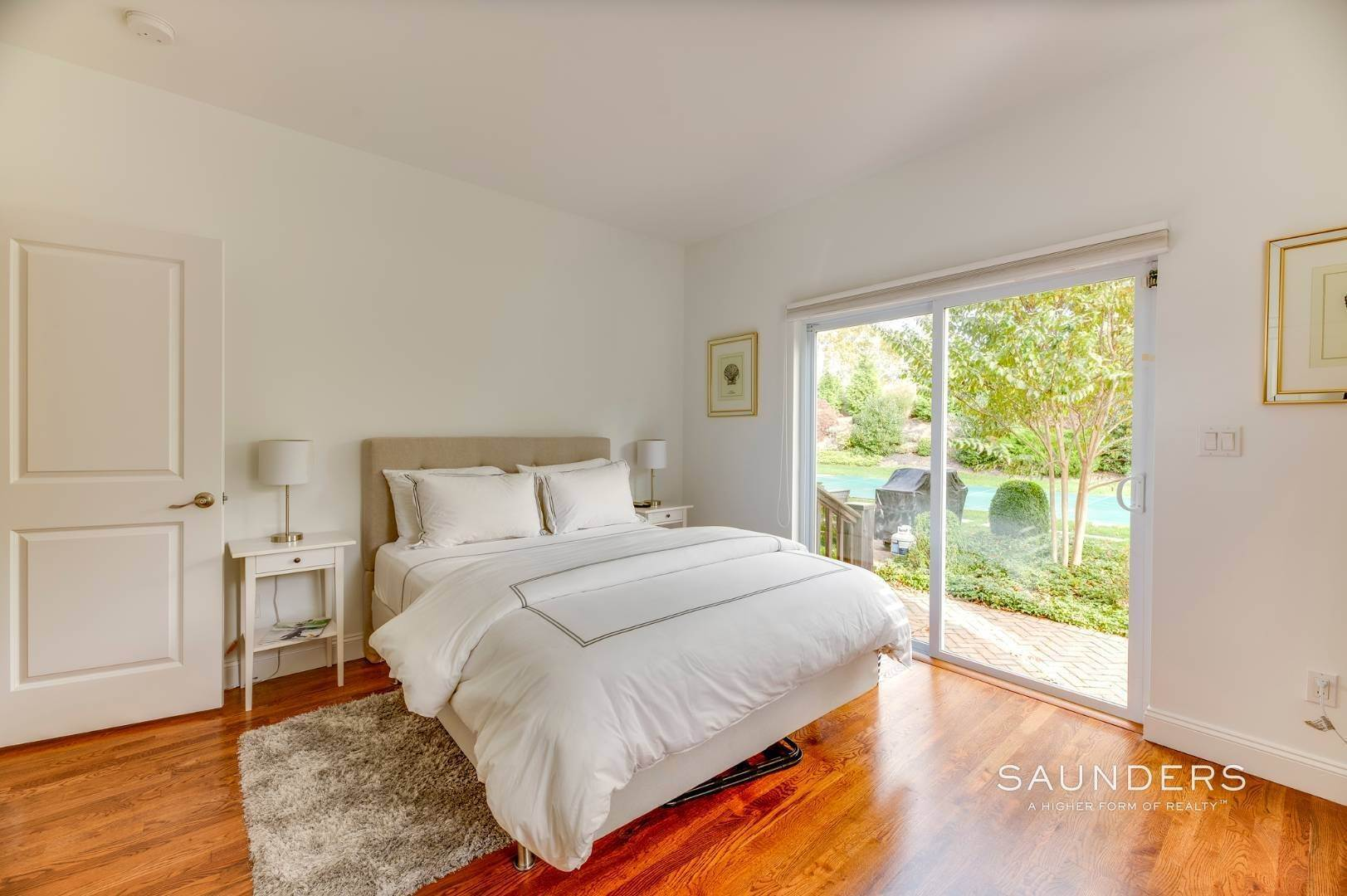 10. Single Family Homes for Sale at Near The Village And Beaches Of Southampton 64 Sandy Hollow Road, Southampton, Southampton Town, NY 11968