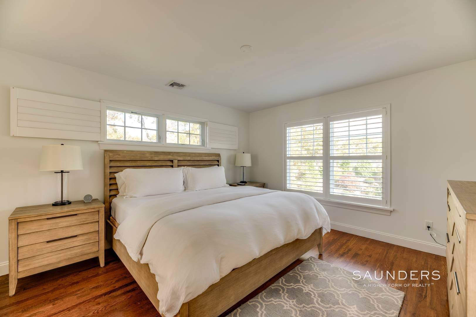 14. Single Family Homes for Sale at Near The Village And Beaches Of Southampton 64 Sandy Hollow Road, Southampton, Southampton Town, NY 11968