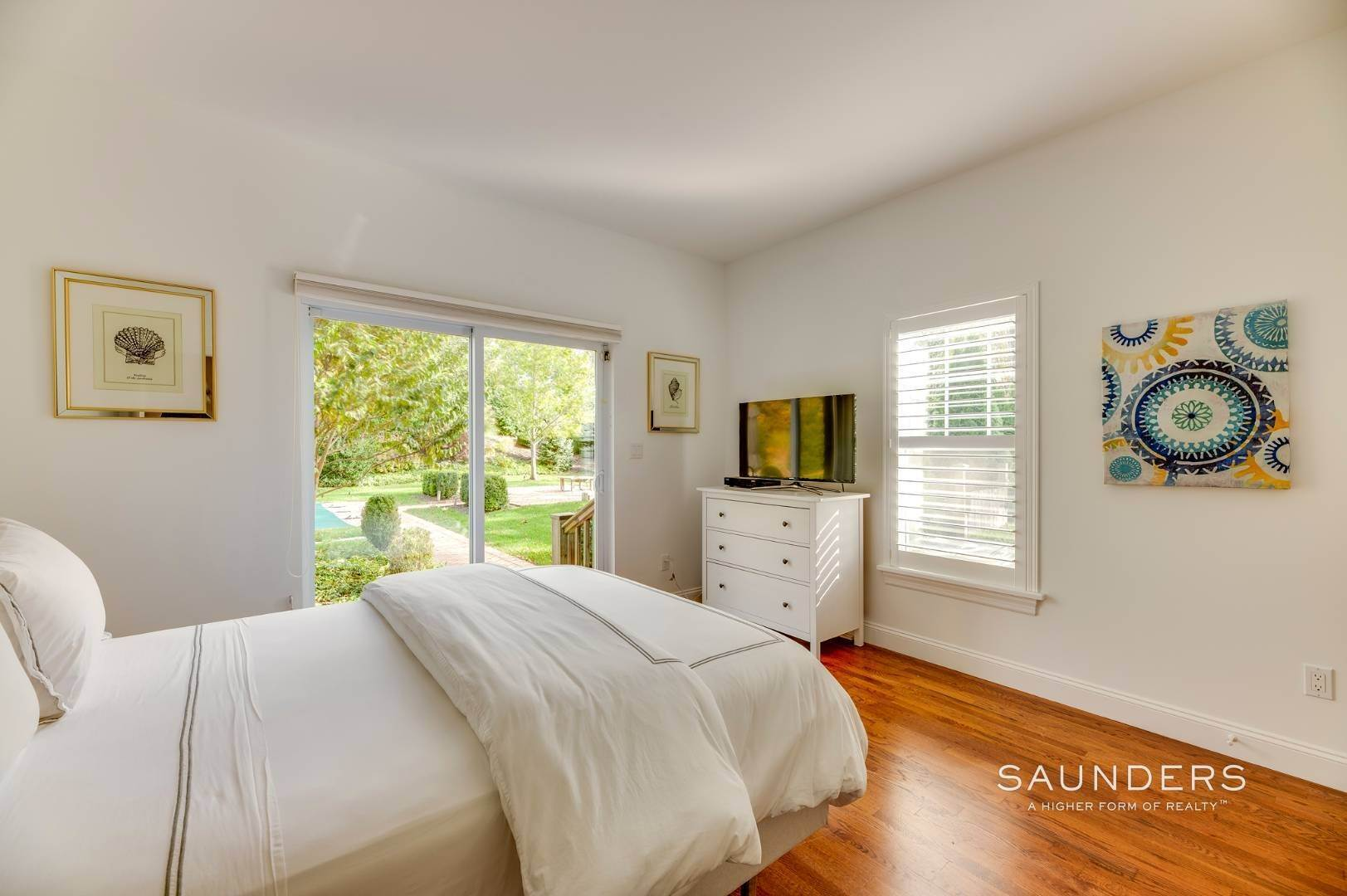 11. Single Family Homes for Sale at Near The Village And Beaches Of Southampton 64 Sandy Hollow Road, Southampton, Southampton Town, NY 11968