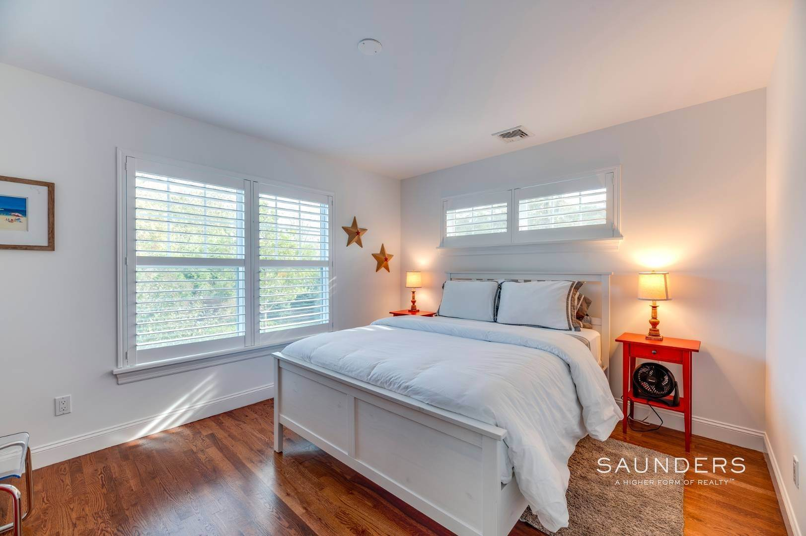 18. Single Family Homes for Sale at Near The Village And Beaches Of Southampton 64 Sandy Hollow Road, Southampton, Southampton Town, NY 11968
