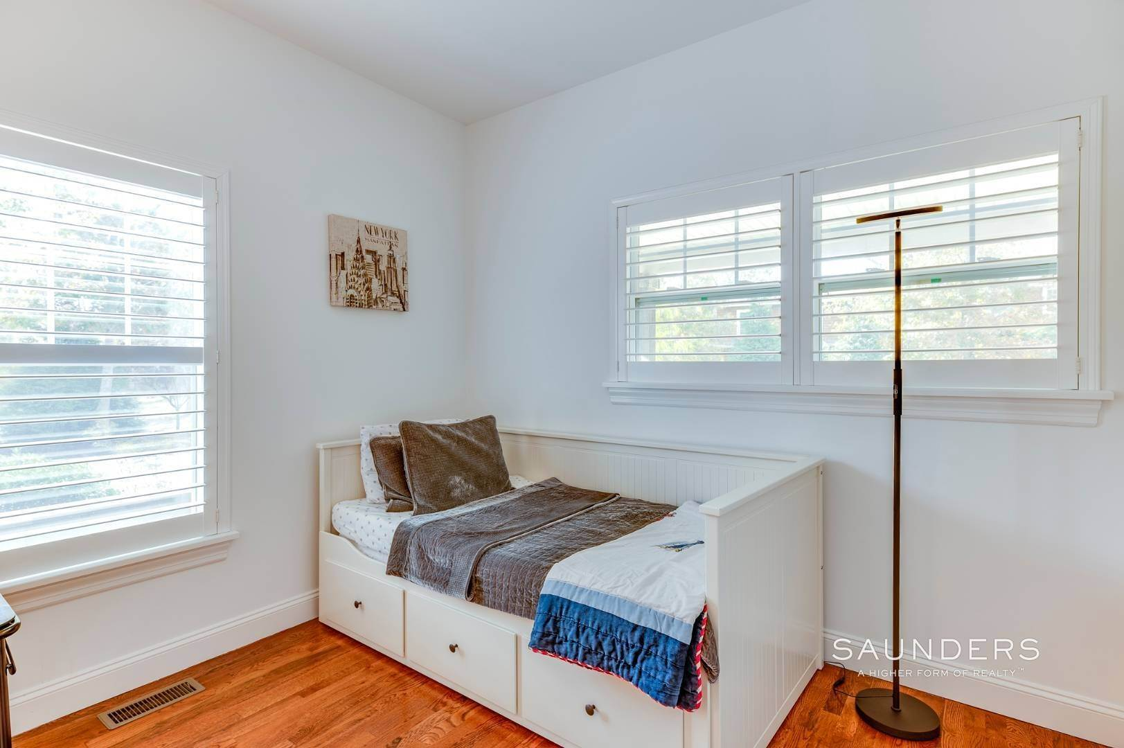 13. Single Family Homes for Sale at Near The Village And Beaches Of Southampton 64 Sandy Hollow Road, Southampton, Southampton Town, NY 11968