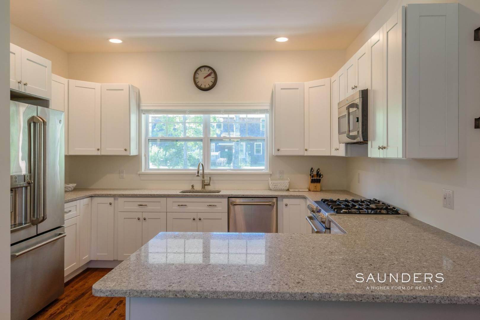 8. Single Family Homes for Sale at Near The Village And Beaches Of Southampton 64 Sandy Hollow Road, Southampton, Southampton Town, NY 11968