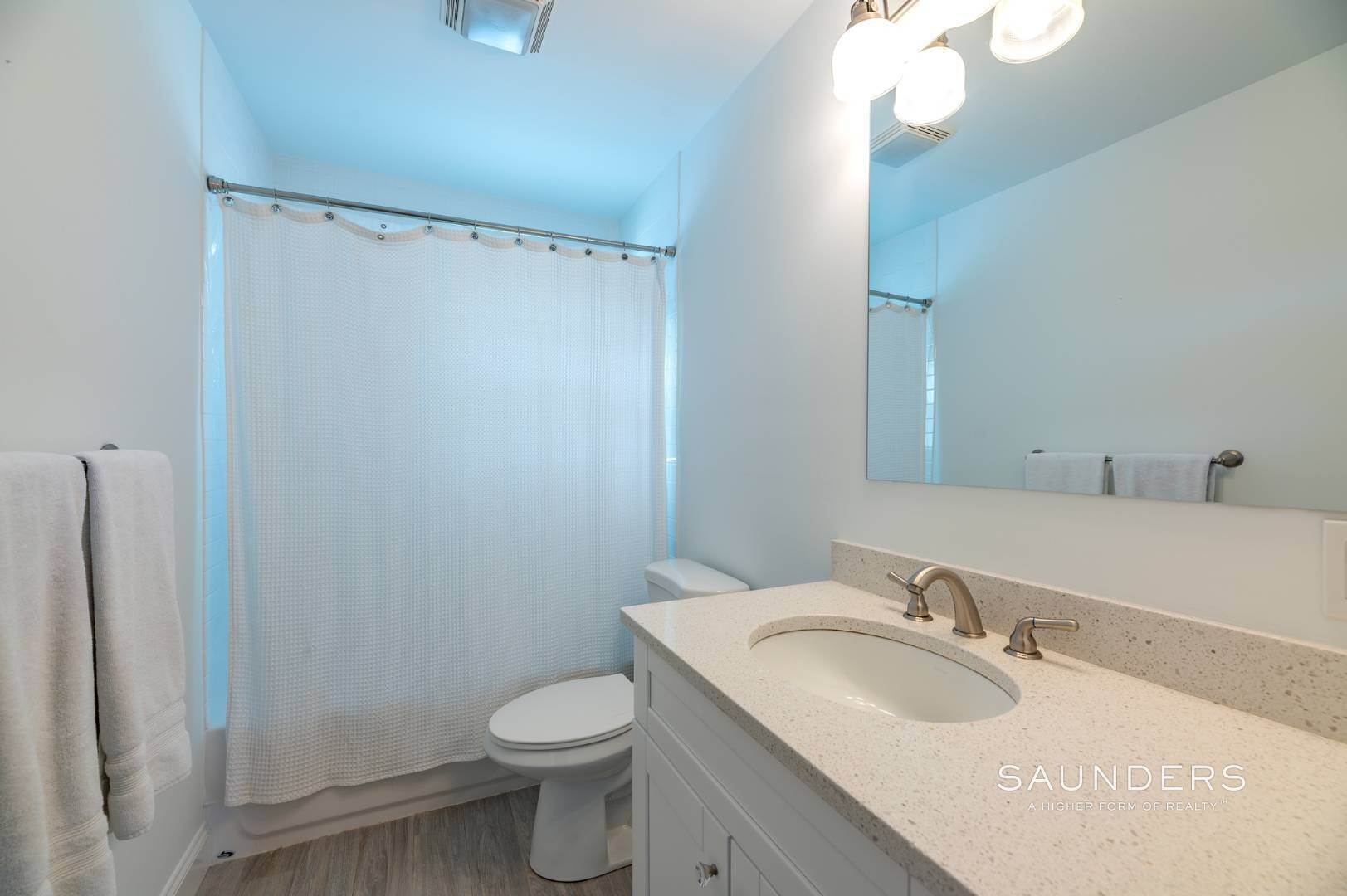 19. Single Family Homes for Sale at Near The Village And Beaches Of Southampton 64 Sandy Hollow Road, Southampton, Southampton Town, NY 11968