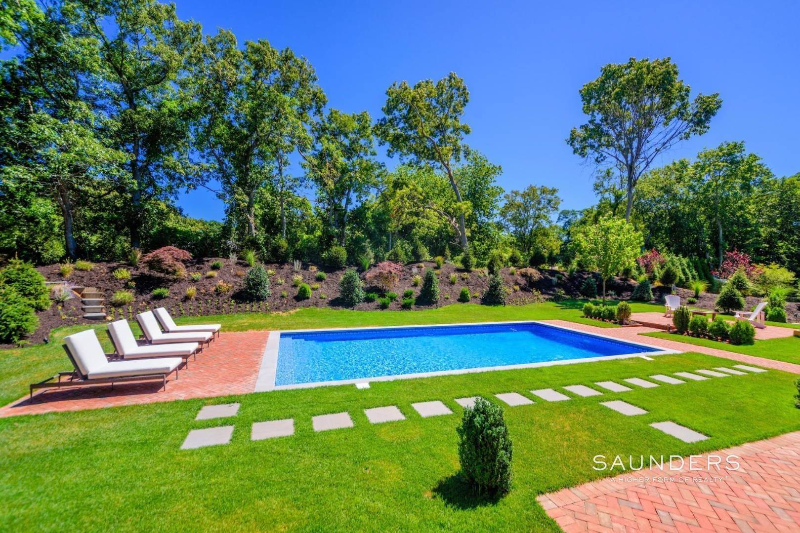 4. Single Family Homes for Sale at Near The Village And Beaches Of Southampton 64 Sandy Hollow Road, Southampton, Southampton Town, NY 11968