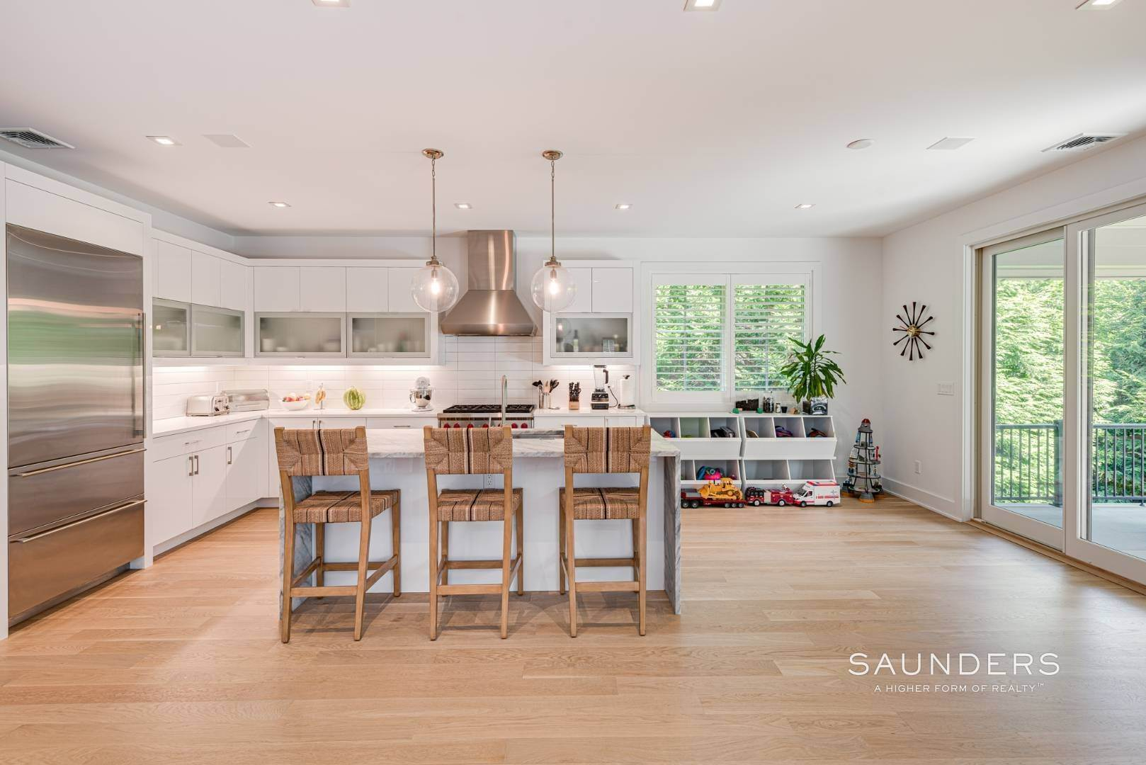 9. Single Family Homes at High Quality In Hampton Waters 8 Albertines Lane, East Hampton, East Hampton Town, NY 11937